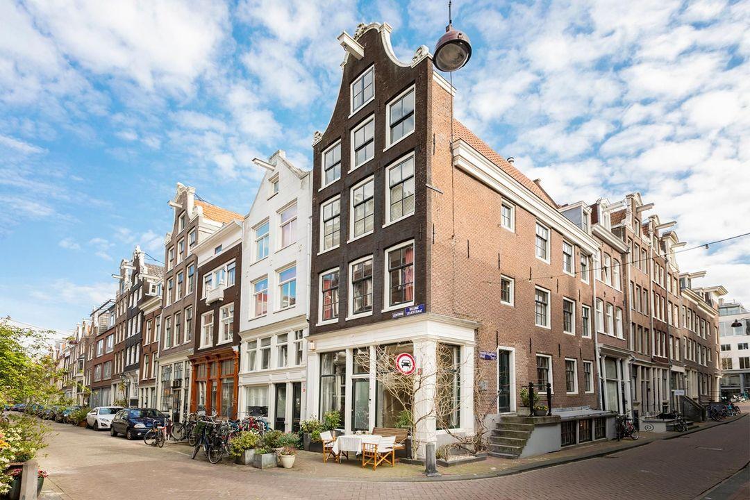 Nieuwe Leliestraat 81, Corner house in Amsterdam foto-0