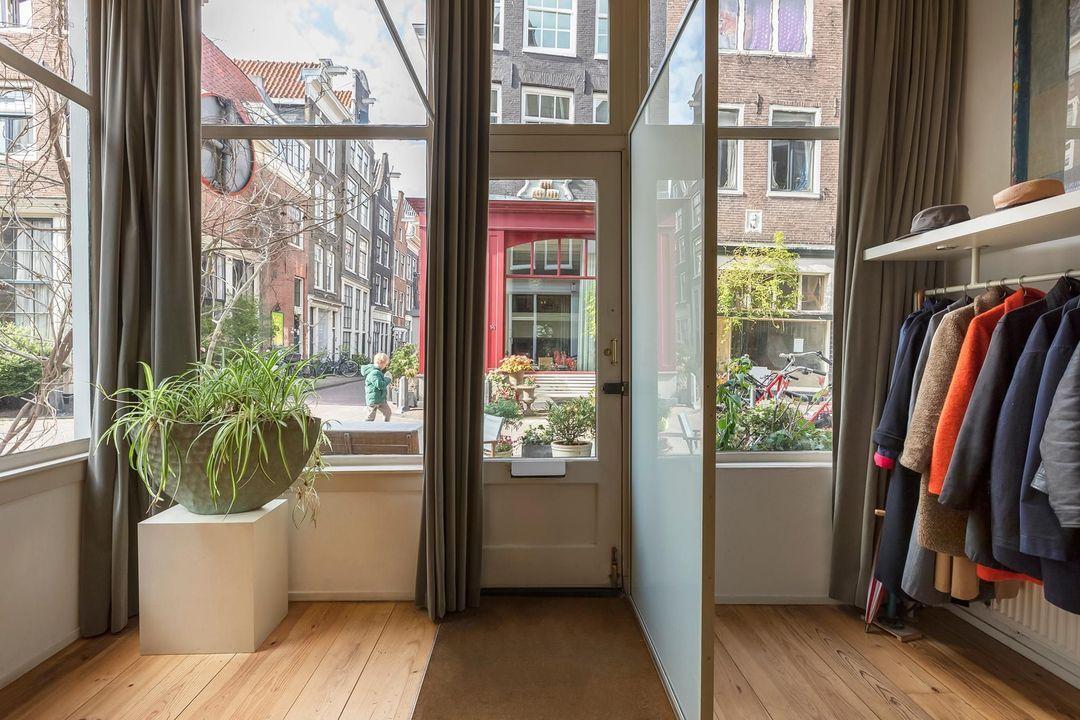 Nieuwe Leliestraat 81, Corner house in Amsterdam foto-21