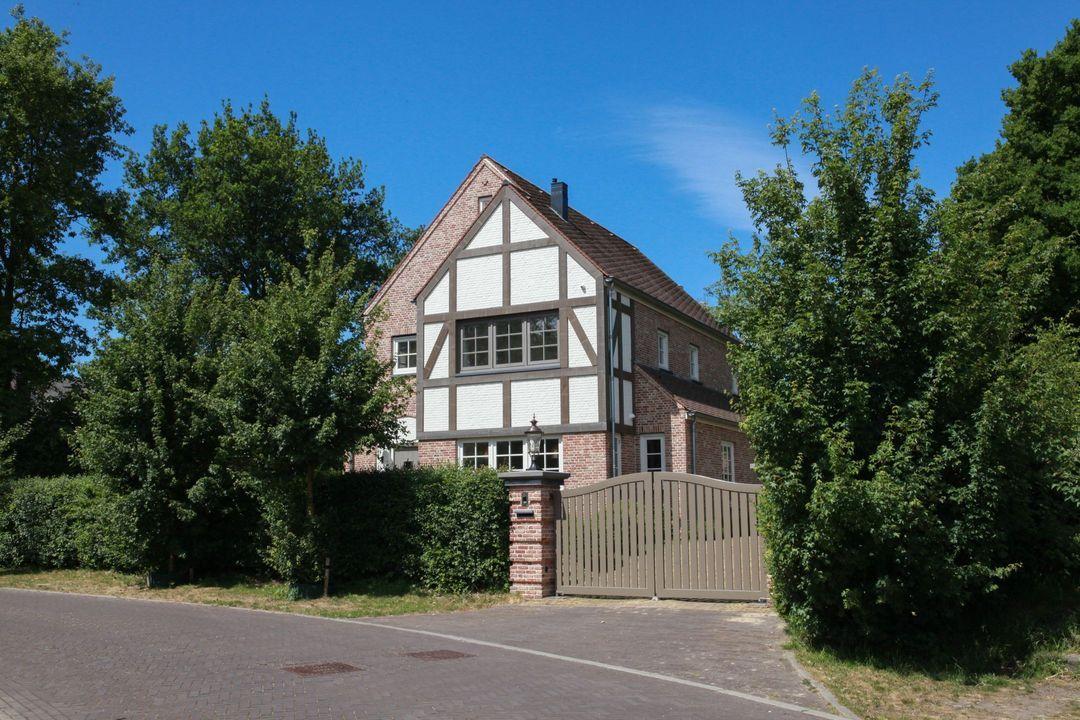 Gezina van der Molenlaan 2, Aerdenhout