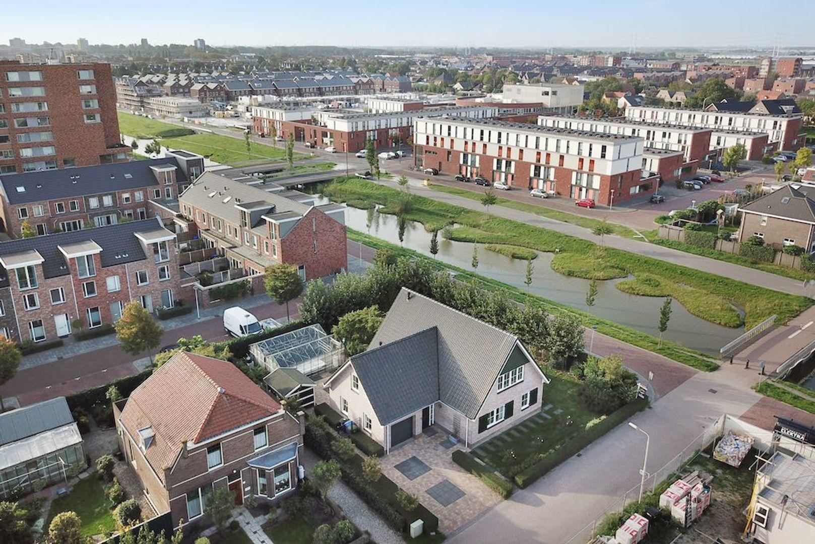 Laan van Groenewegen 10, Delft foto-1