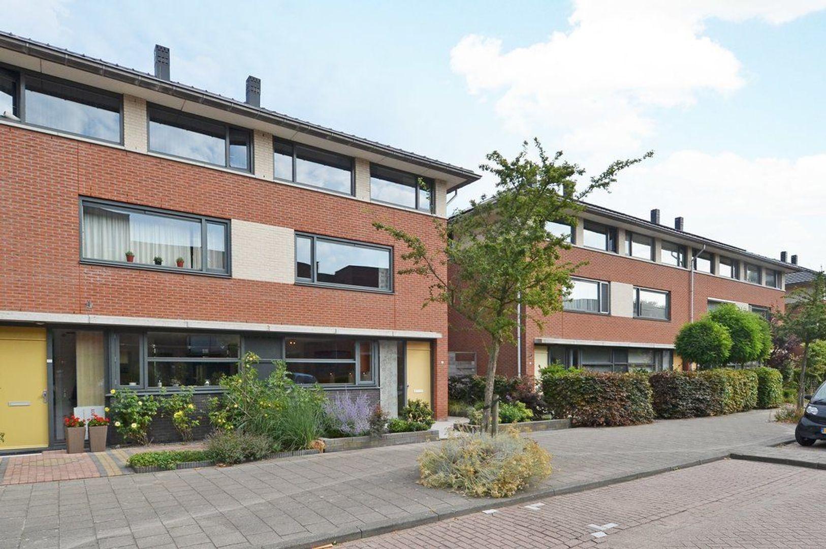 Elisabeth van Zuilenlaan 18, Delft foto-0