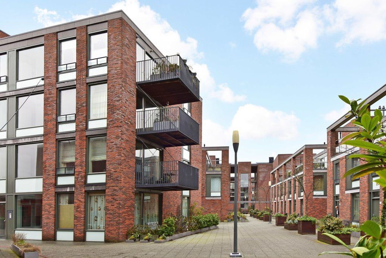 Zuidwal 30, Delft foto-0