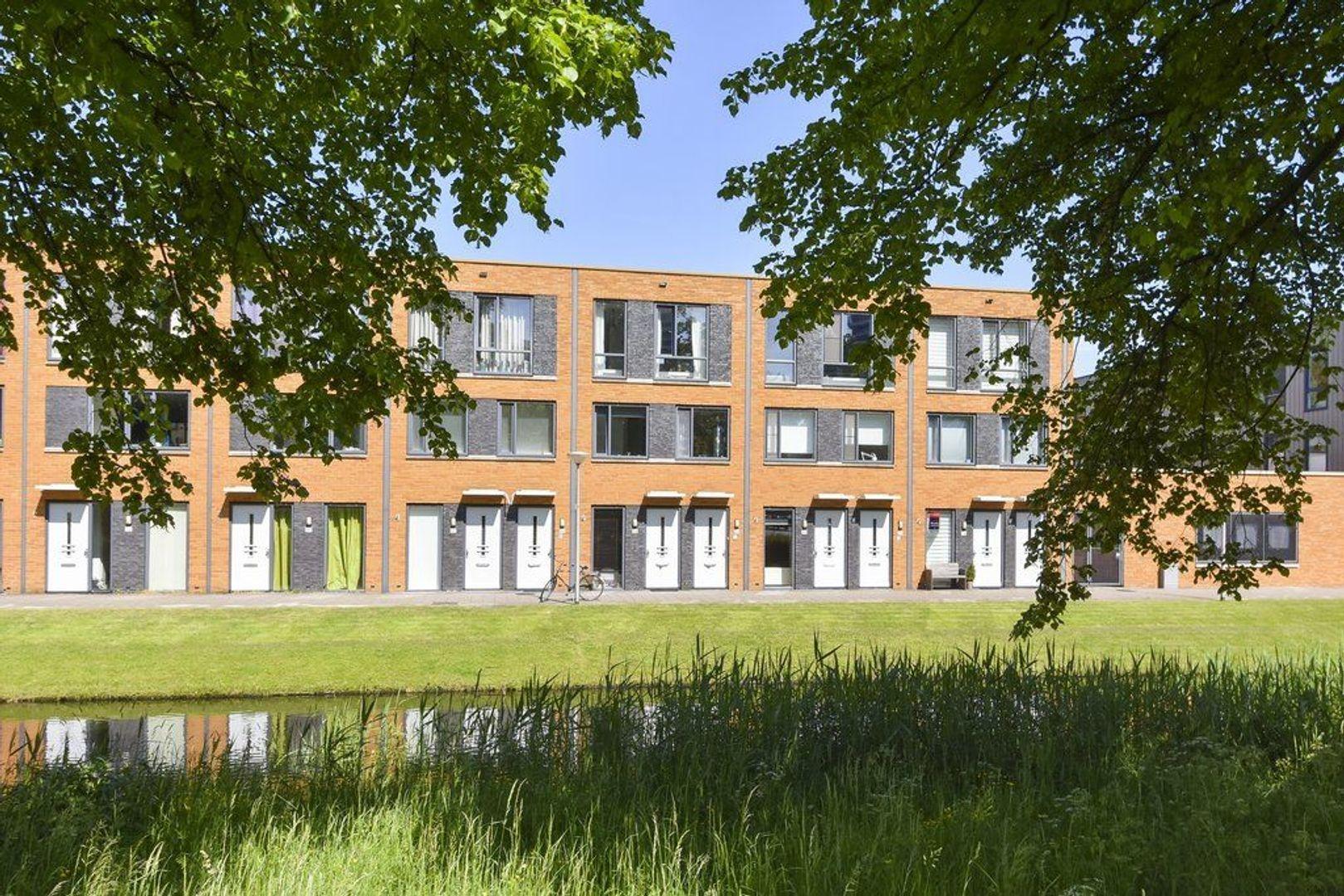 Glenn Millerstraat 84, Delft foto-1