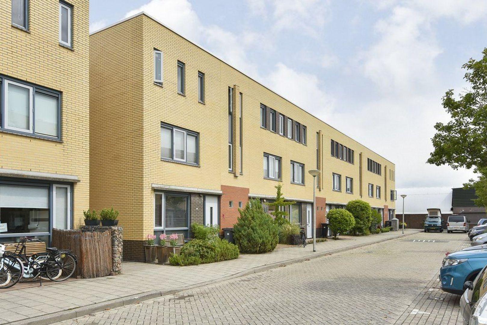 Laan van Braat 19, Delft foto-0