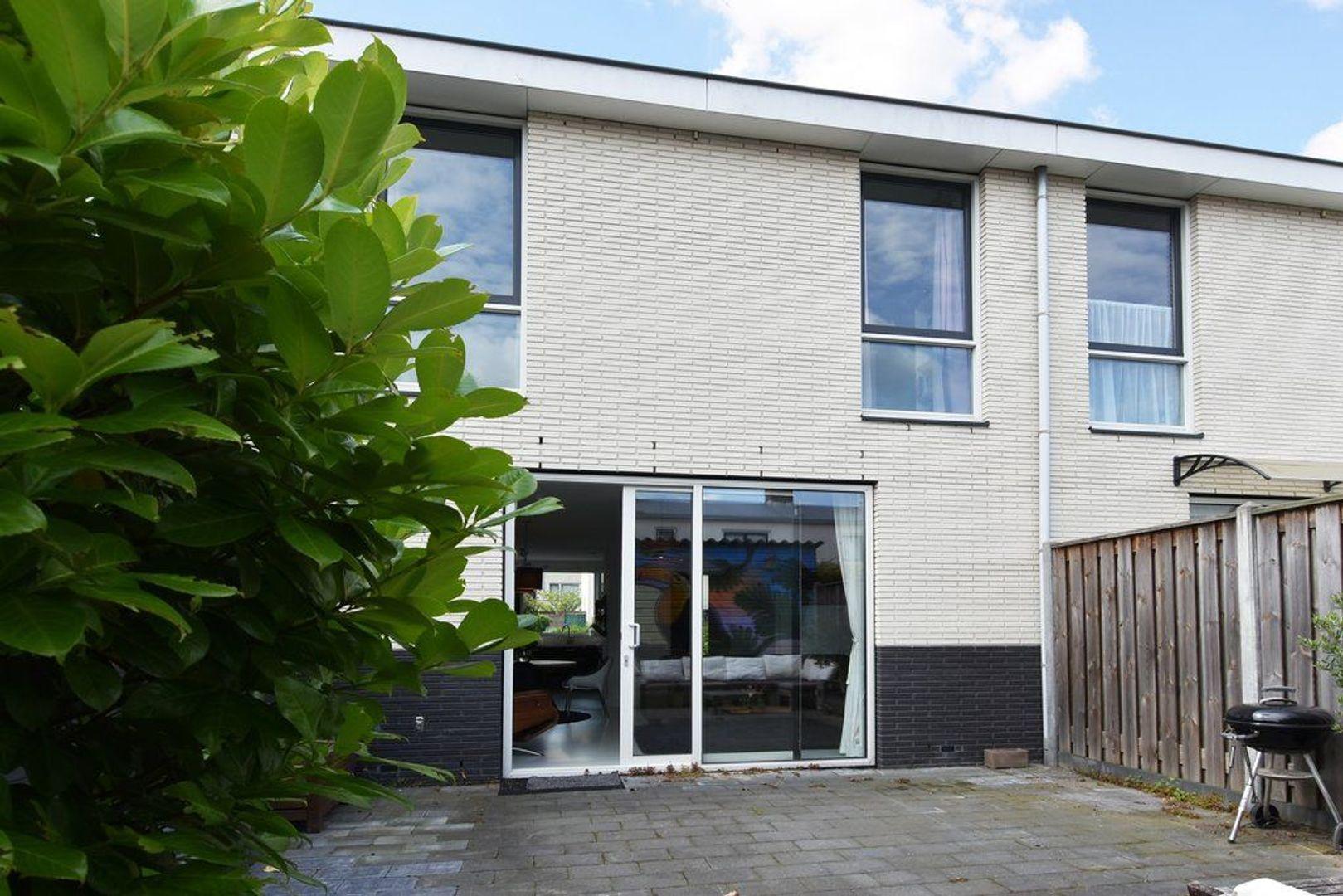 Goudenregenlaan 24, Delft foto-9