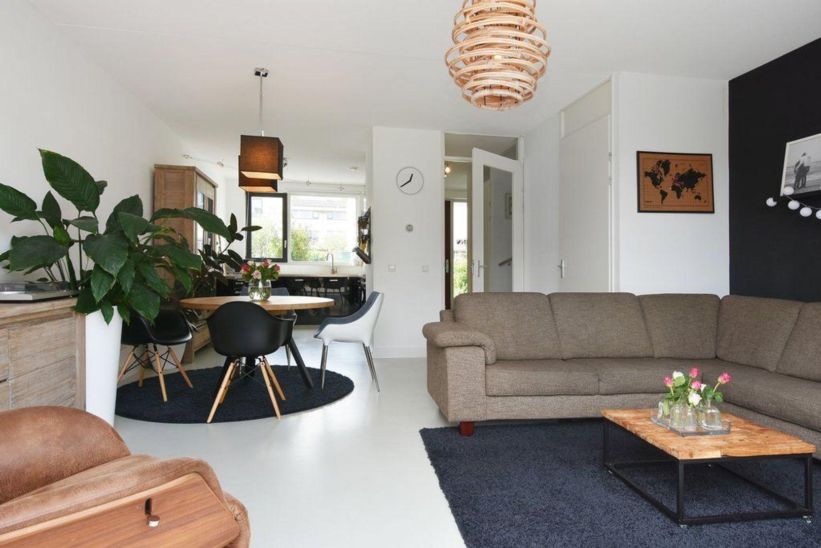 Goudenregenlaan 24, Delft foto-1