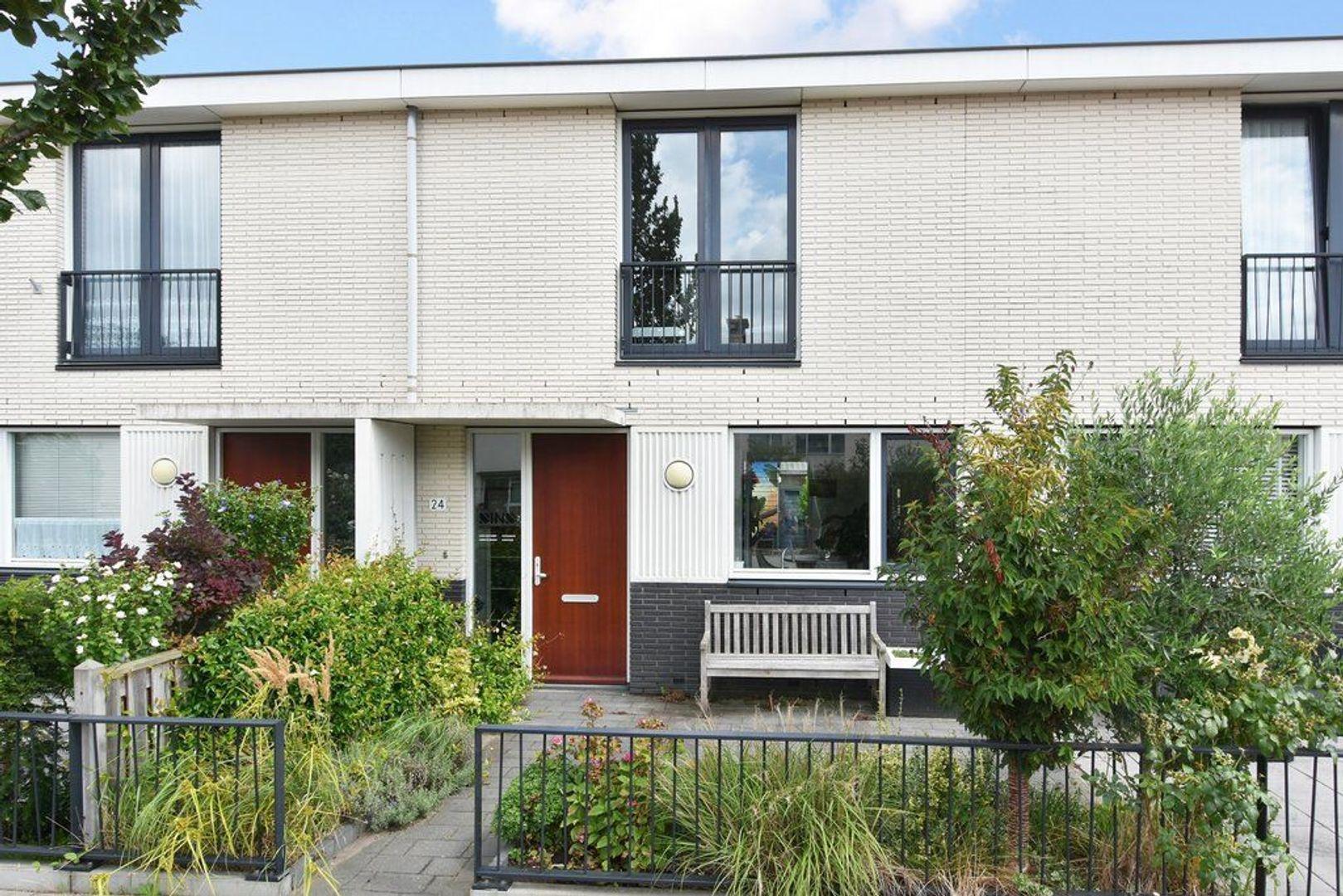 Goudenregenlaan 24, Delft foto-0