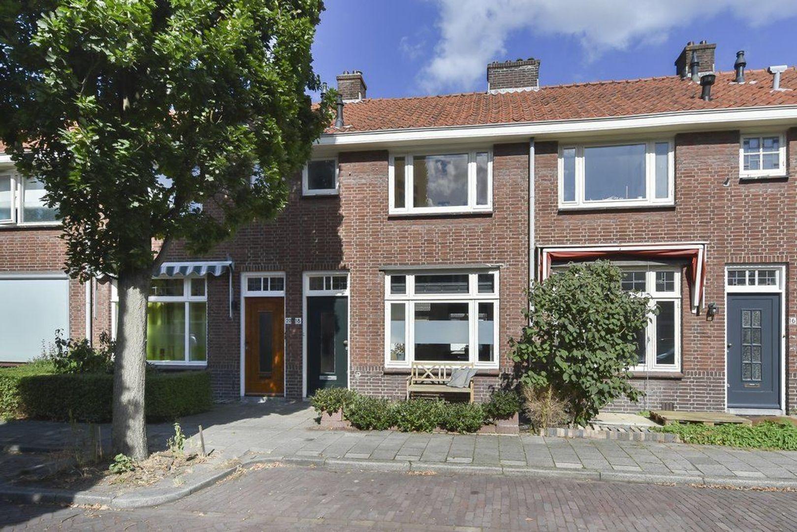 Justus van Schoonhovenstraat 18, Delft foto-0
