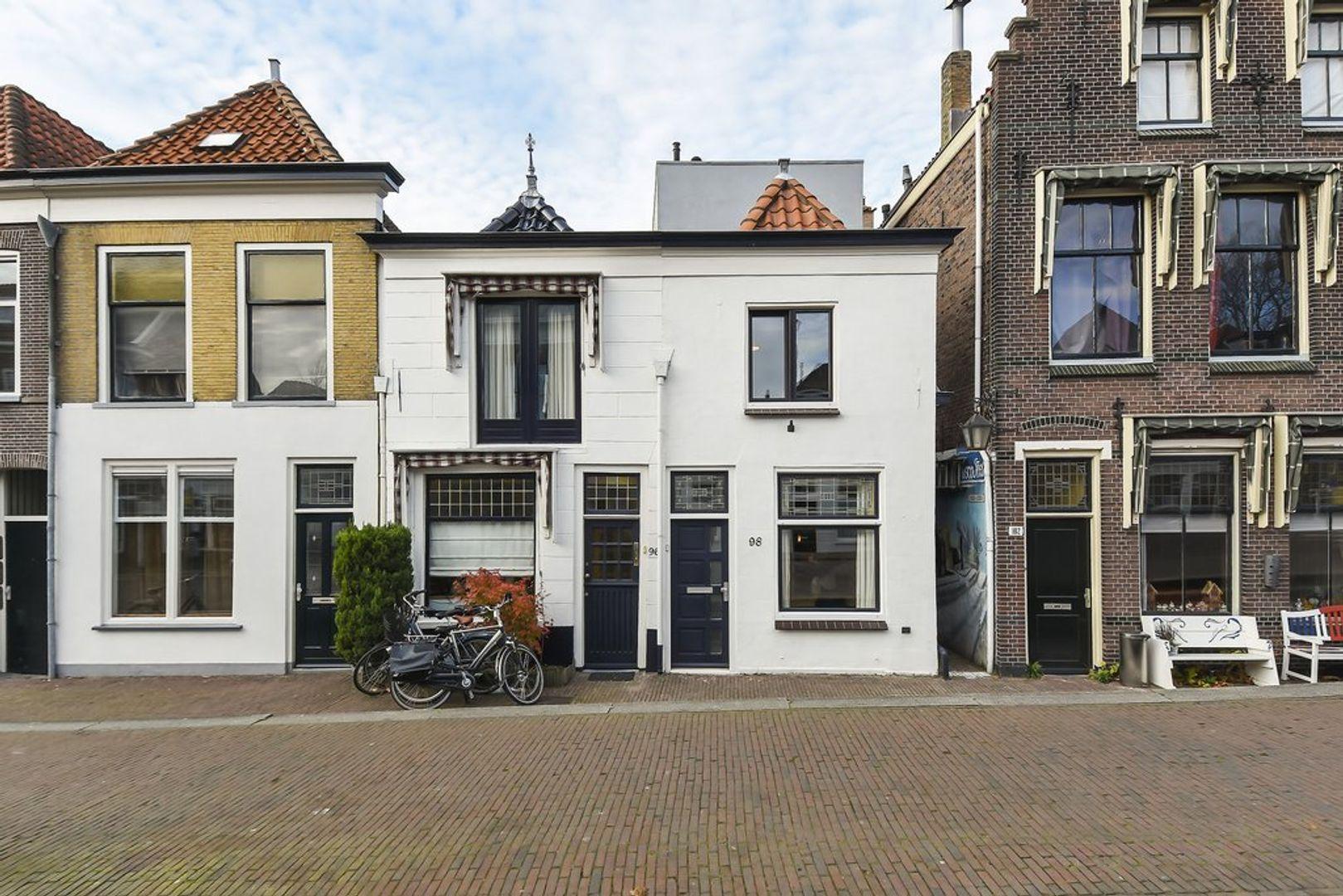 Nieuwe Langendijk 98, Delft foto-0