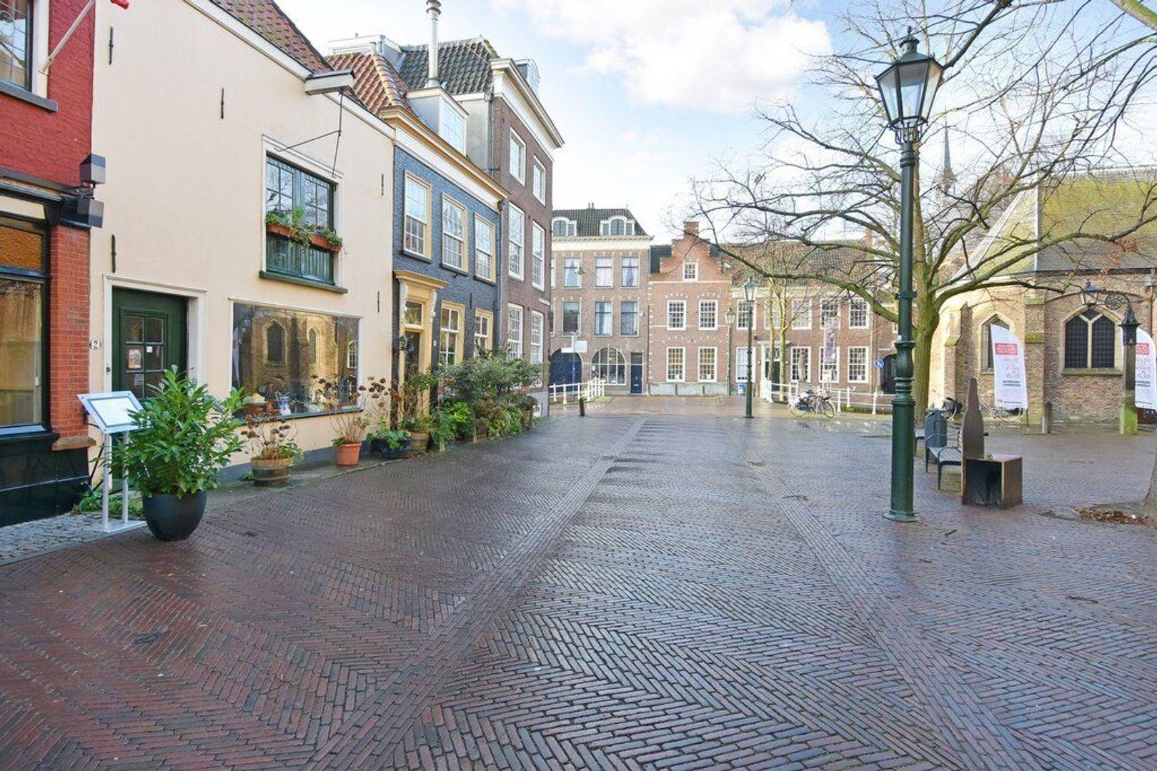 Heilige Geestkerkhof 2, Delft foto-1