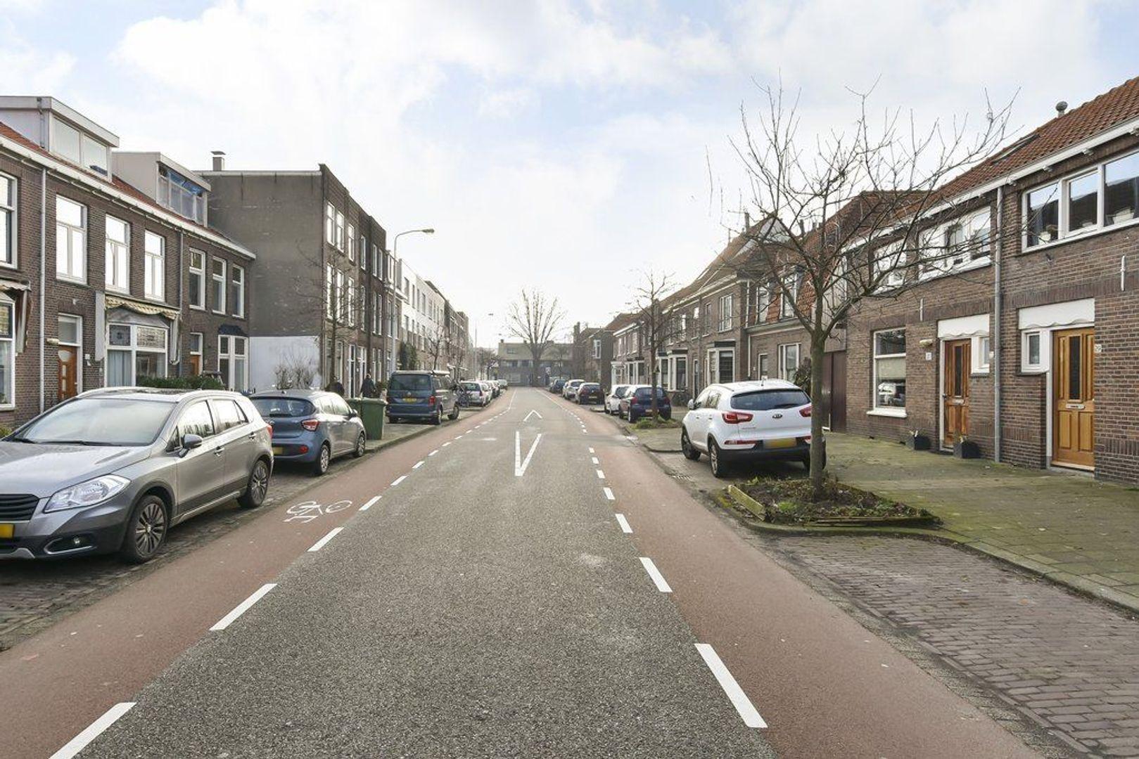 Adriaan Pauwstraat 29, Delft foto-1