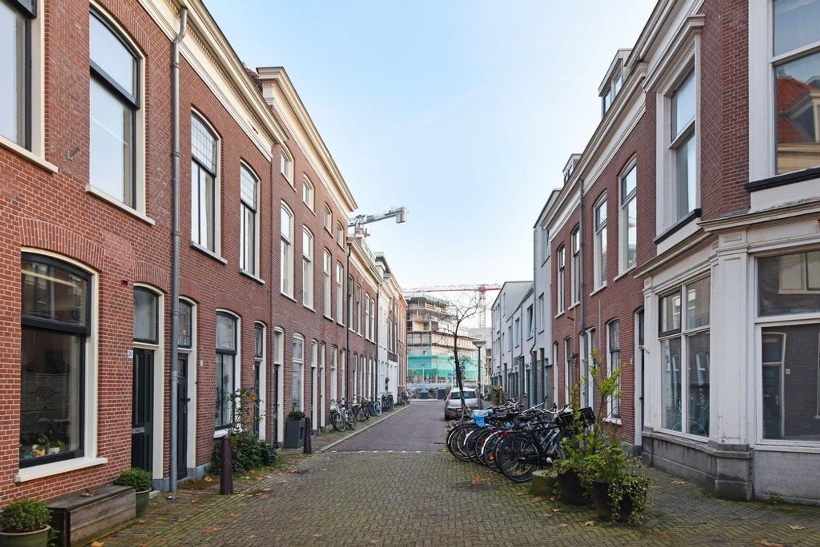 Nieuwe Schoolstraat 24, Delft foto-1
