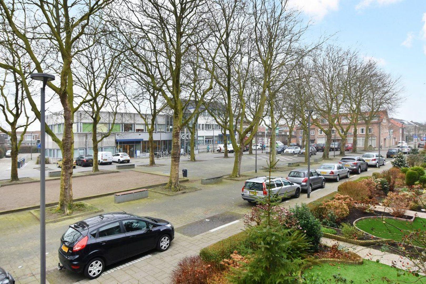 Koningin Julianaplein 6, Den Hoorn foto-30