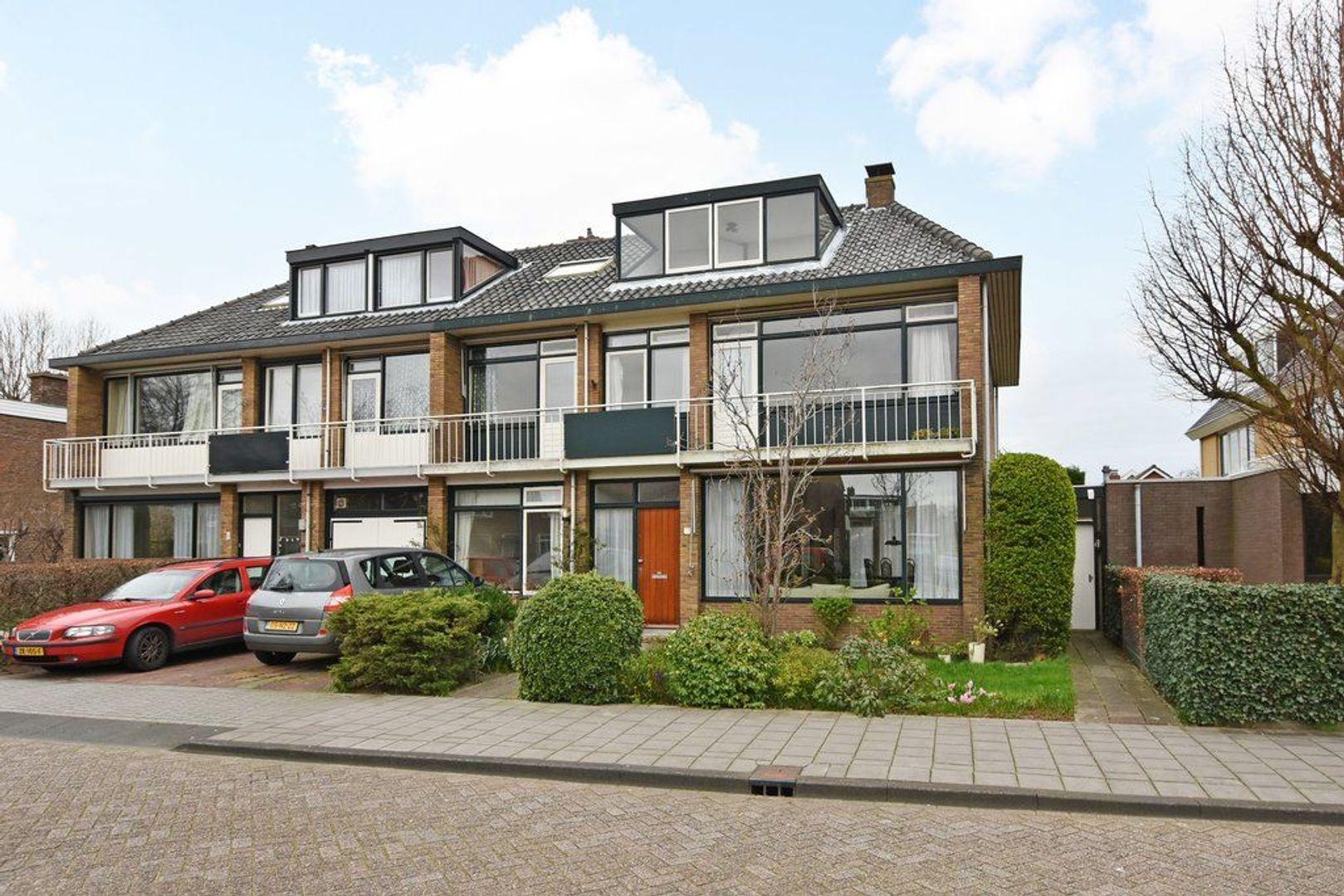 Oranjelaan 2, Den Hoorn foto-0