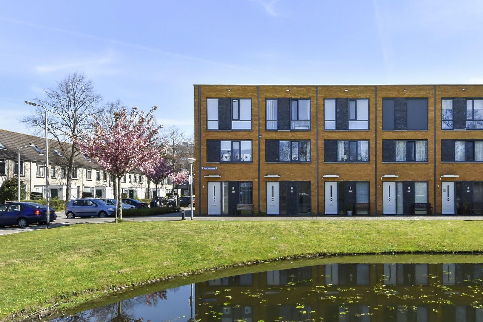 Glenn Millerstraat 106, Delft foto-0