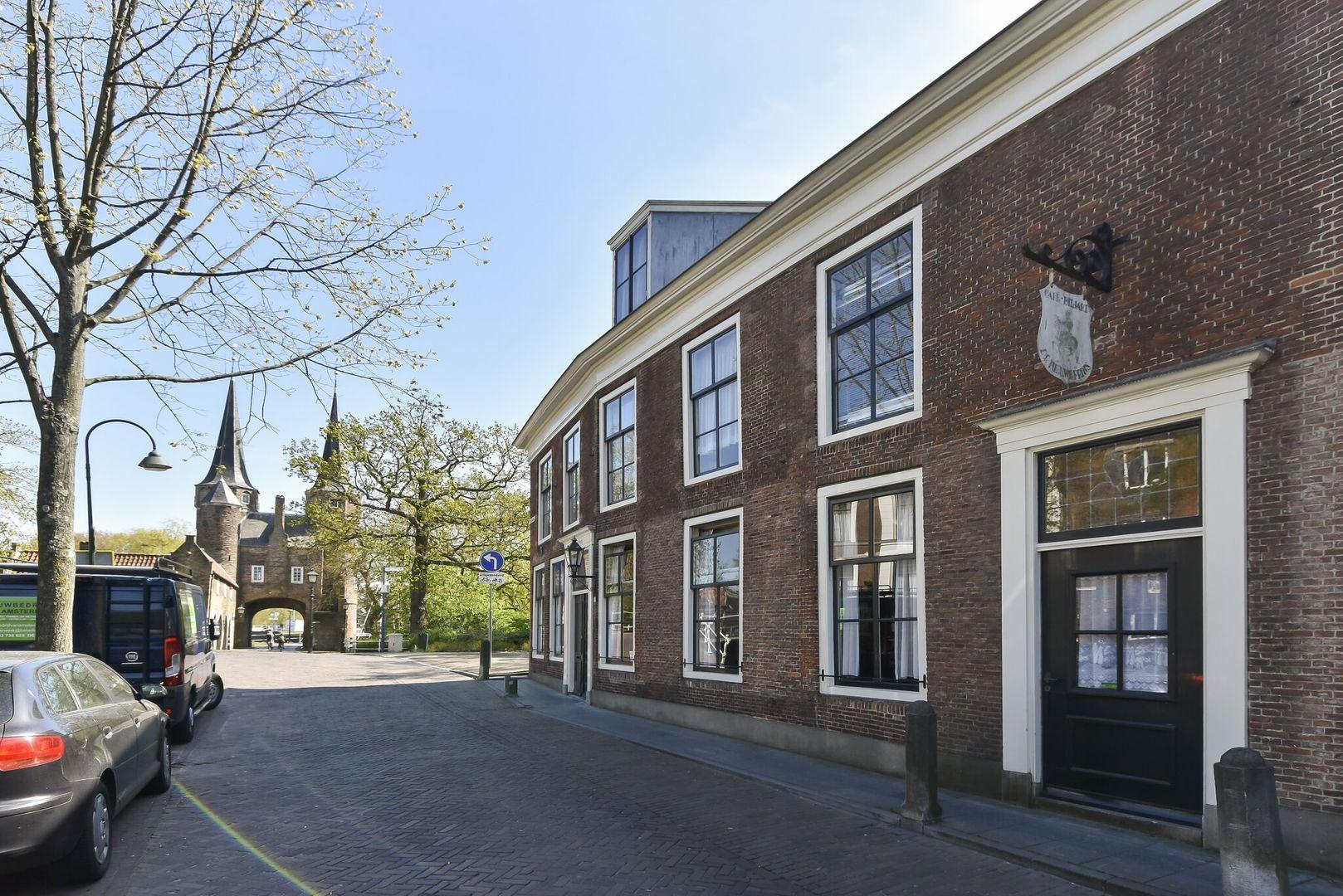 Oosteinde 1 3, Delft foto-1