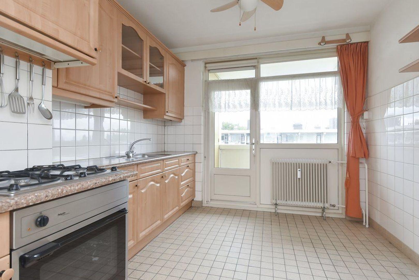 Suzannaland 324, Den Haag foto-14