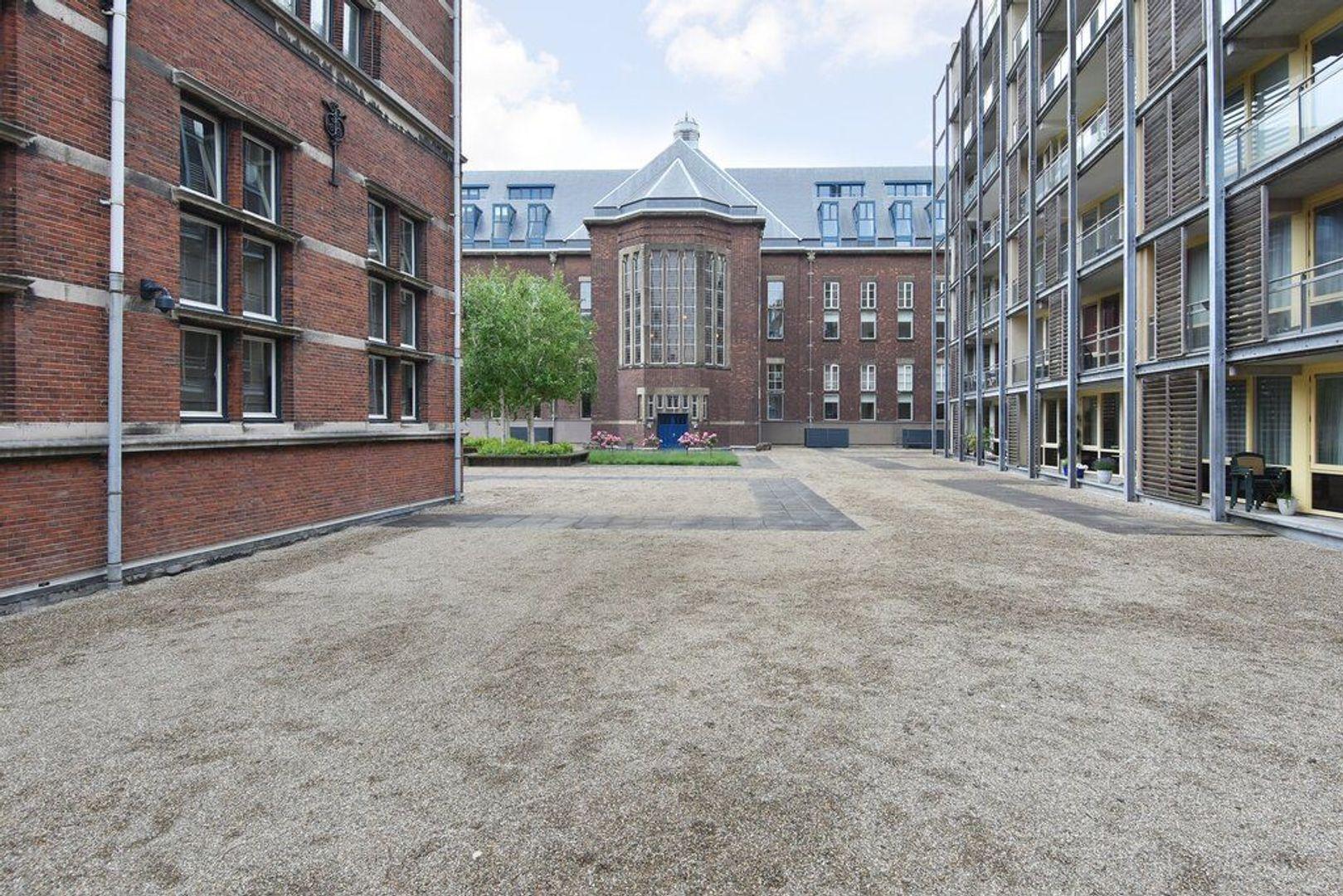 Raam 152, Delft foto-34