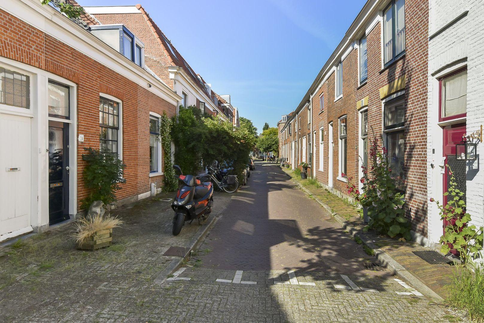 Plateelstraat 14, Delft foto-1