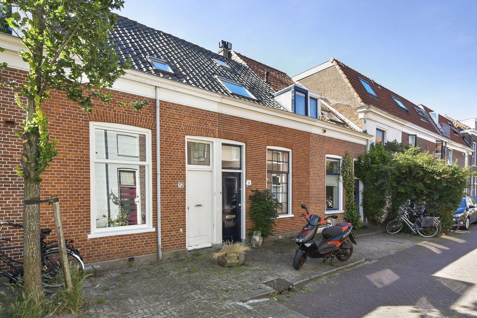 Plateelstraat 14, Delft foto-0
