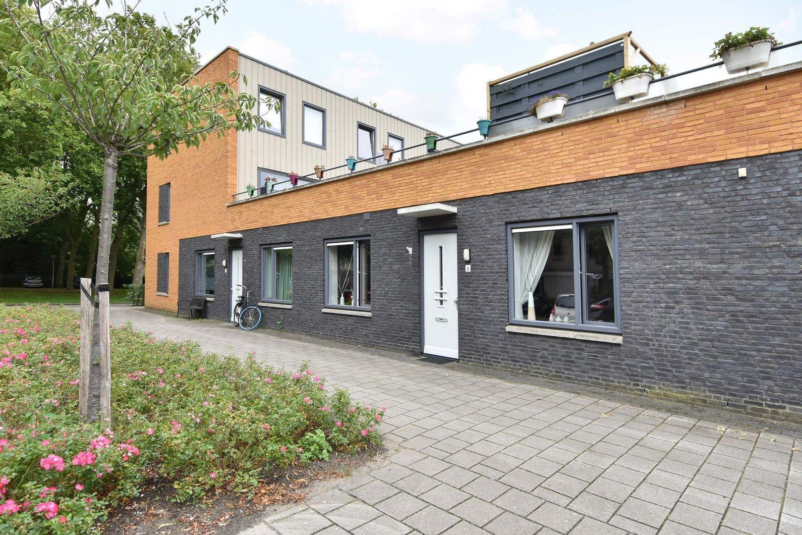 Glenn Millerstraat 6, Delft foto-0