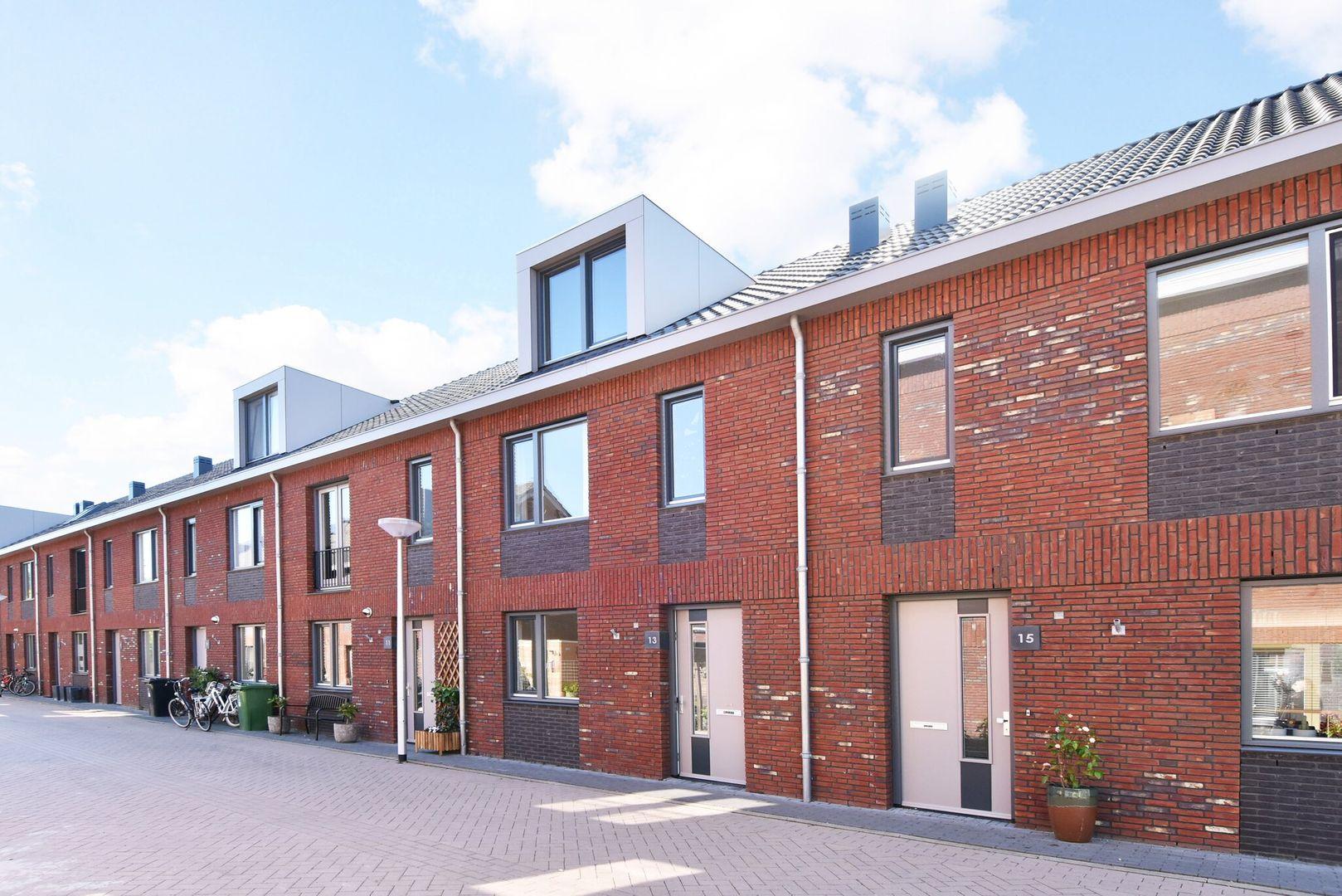 Johannes Nederveenstraat 13, Delft foto-1