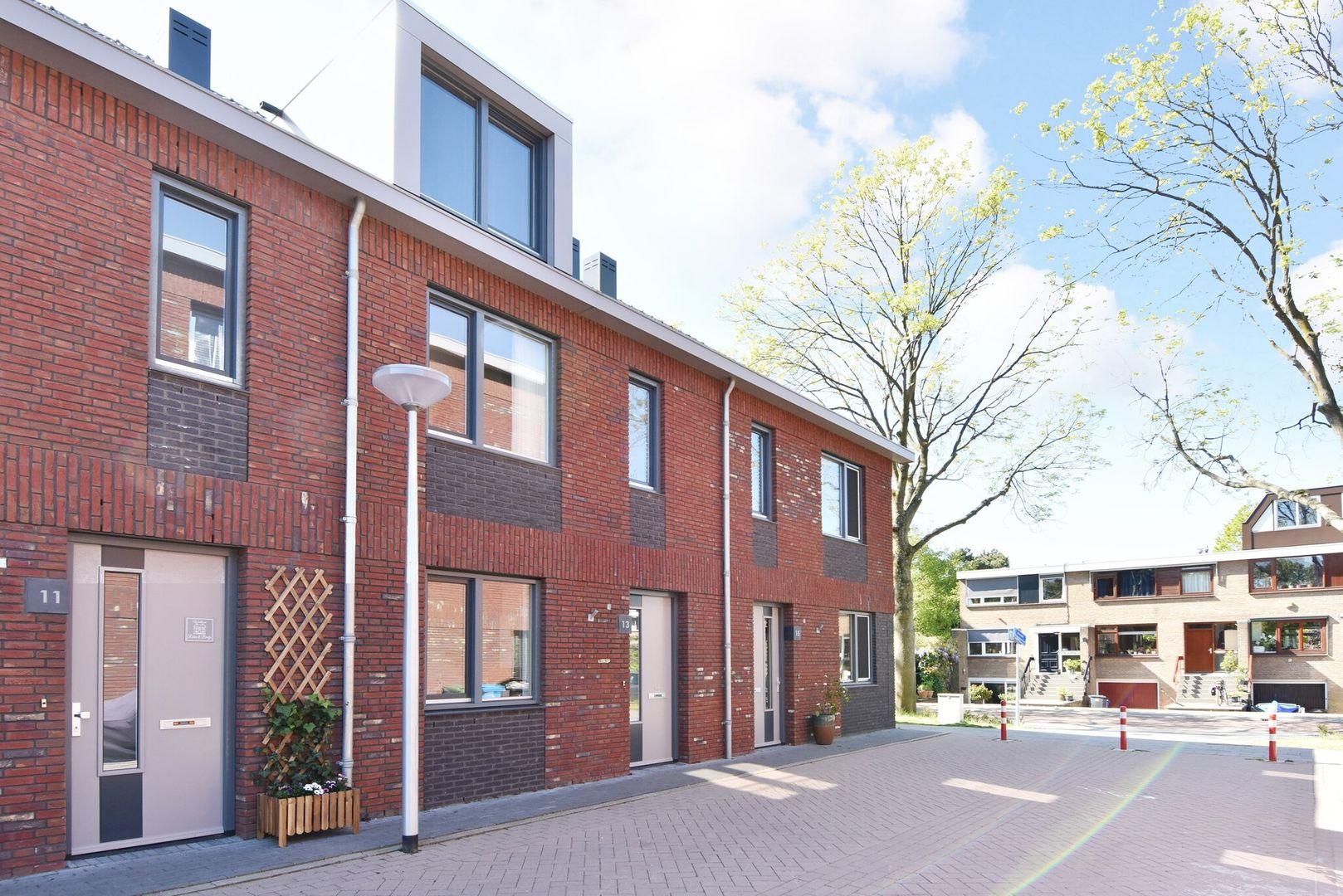 Johannes Nederveenstraat 13, Delft foto-0
