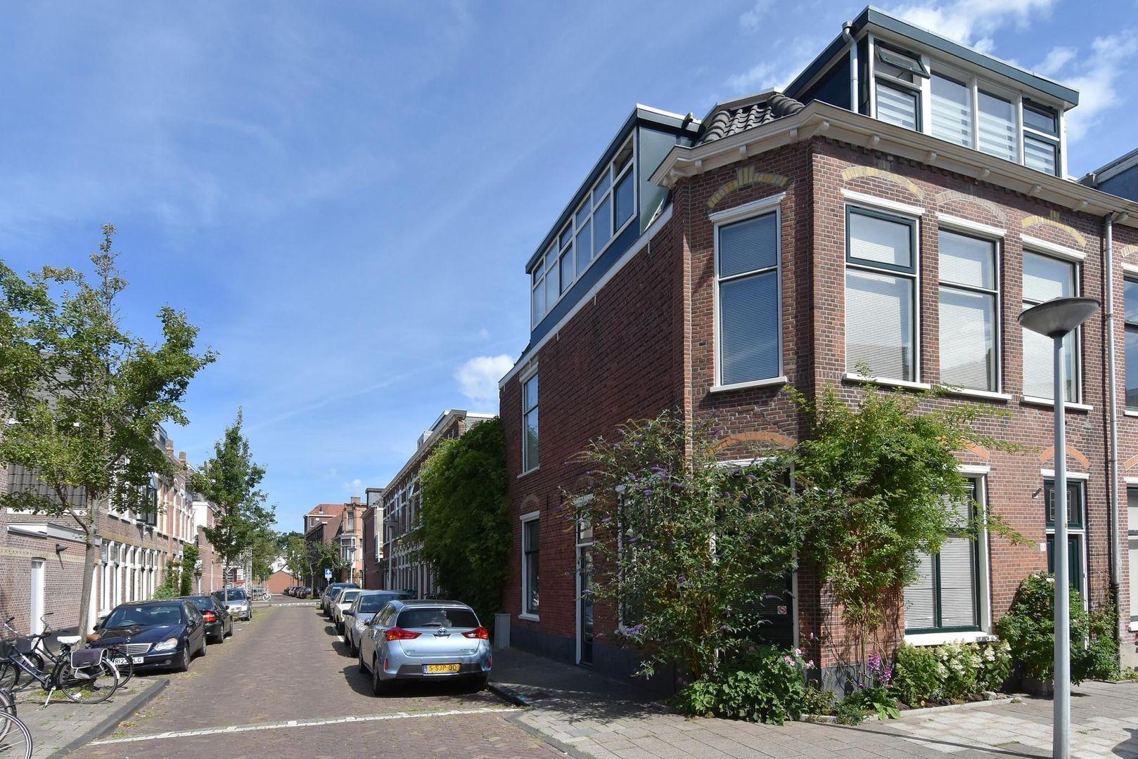 Magdalena Moonsstraat 13, Leiden foto-2