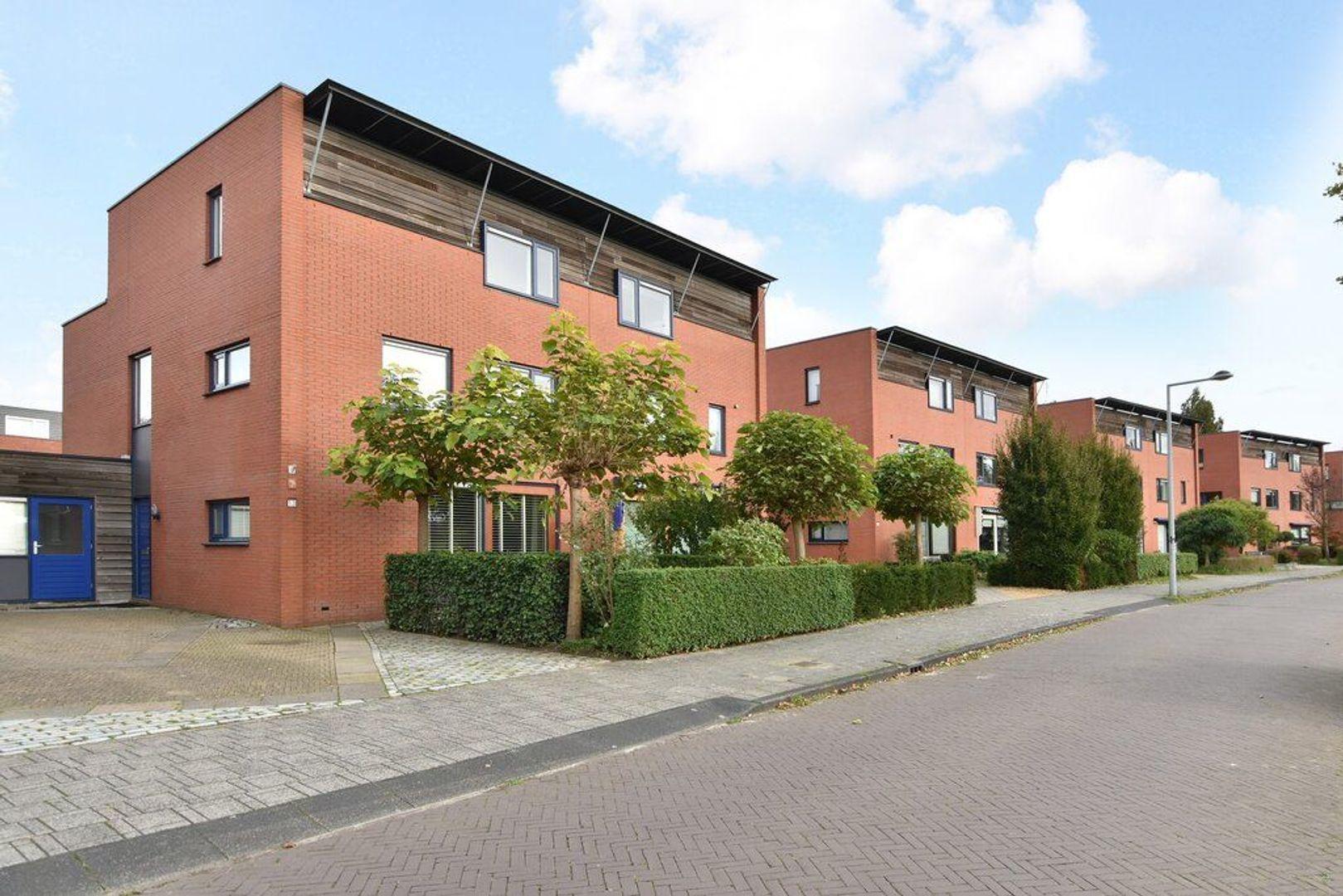 Spireaveld 13, Den Haag foto-1
