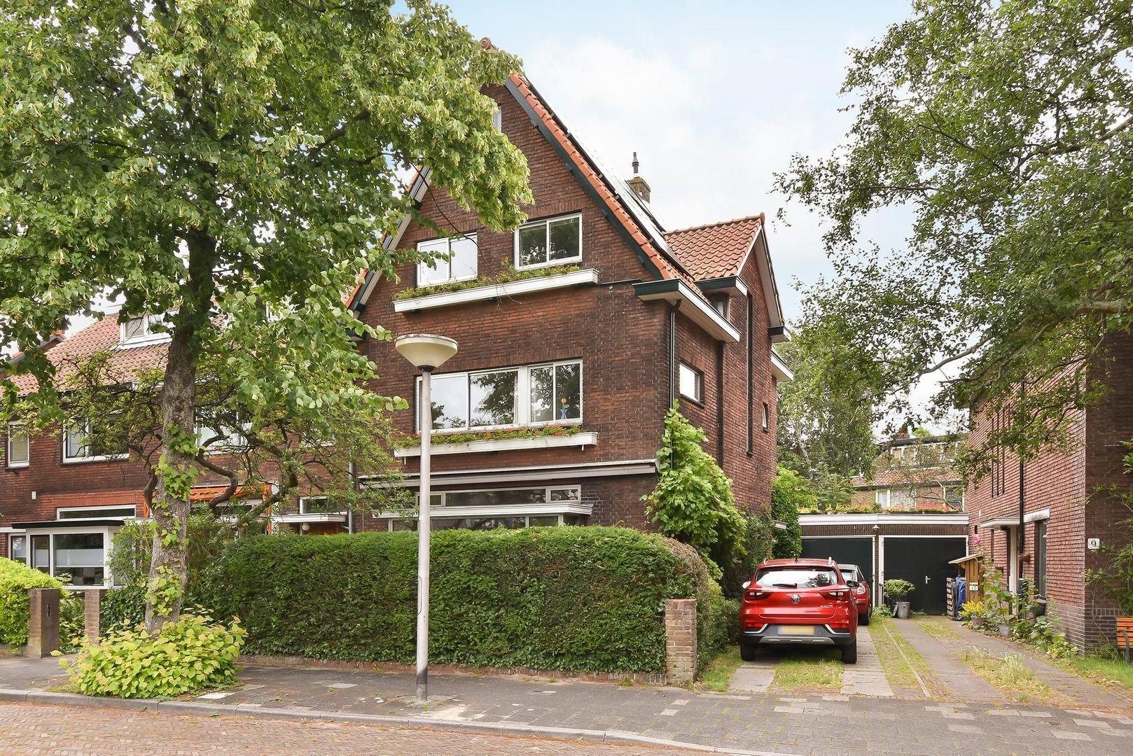 Ruys de Beerenbrouckplein 10, Delft foto-1