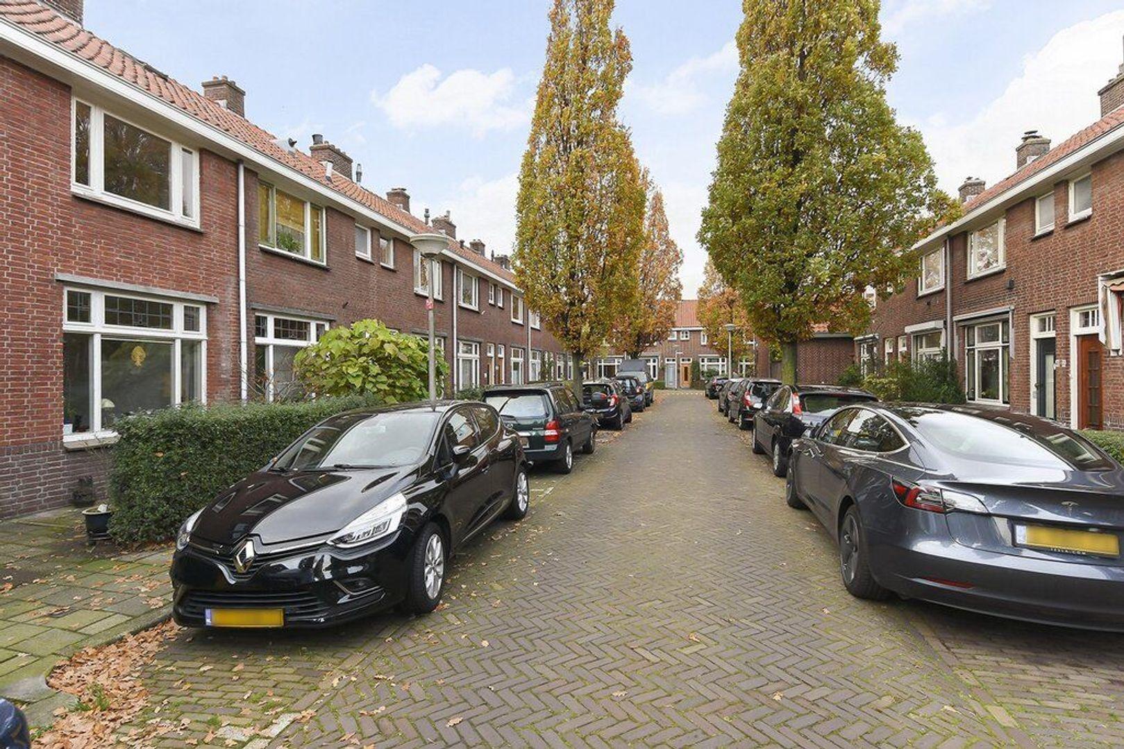 Justus van Schoonhovenstraat 35, Delft foto-1