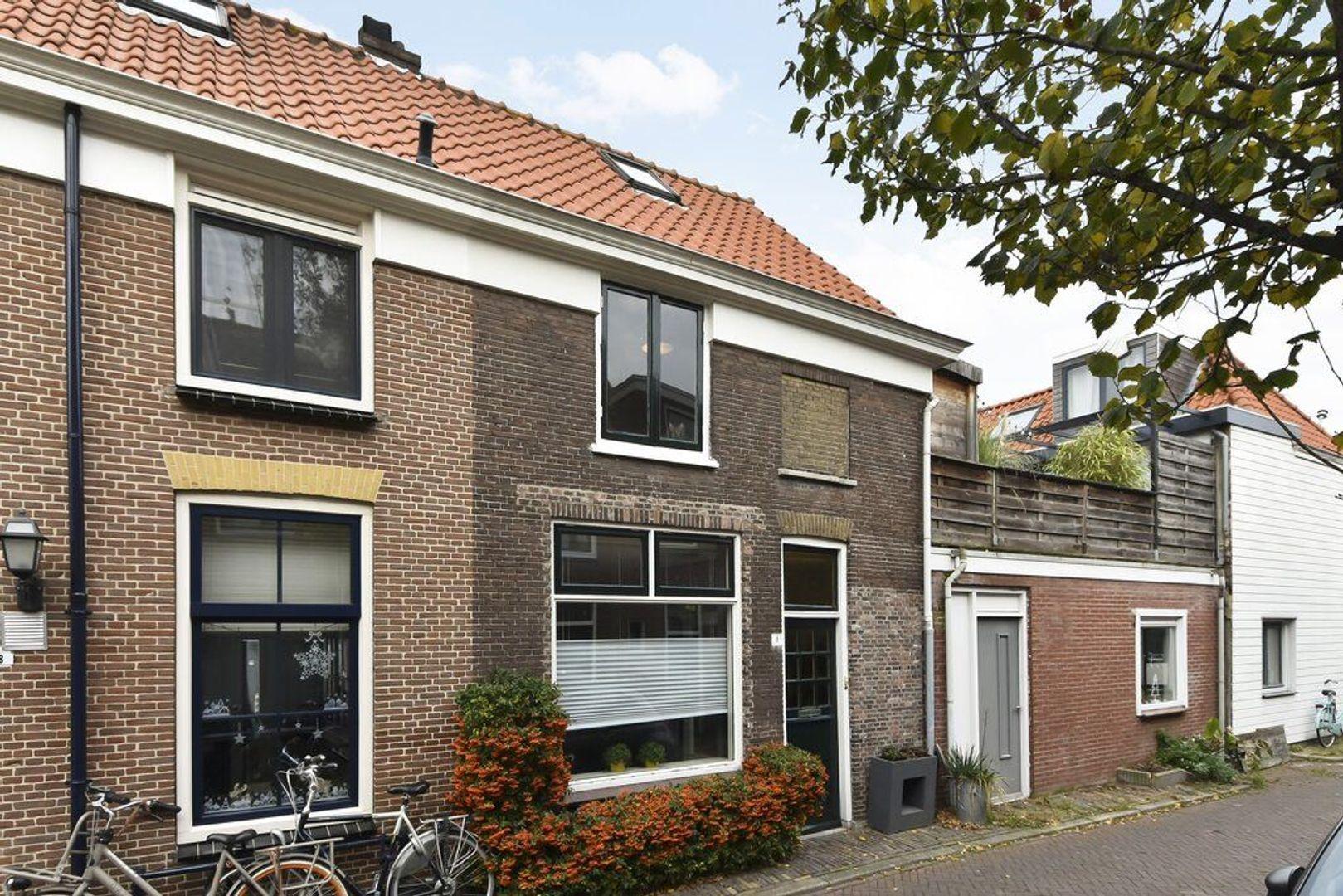 Plateelstraat 1, Delft foto-0