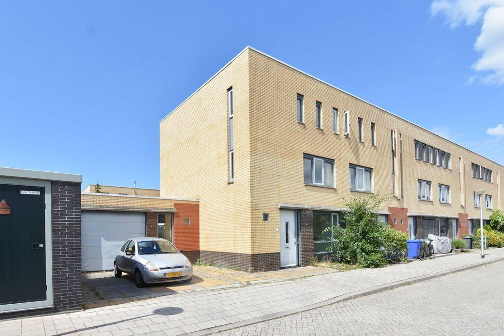 Laan van Braat 1, Delft foto-0