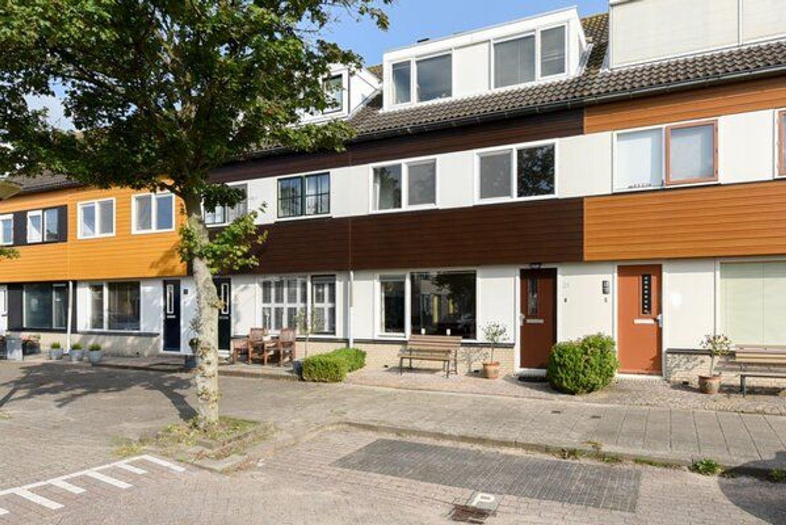 Oe Thantstraat 15, Delft foto-0