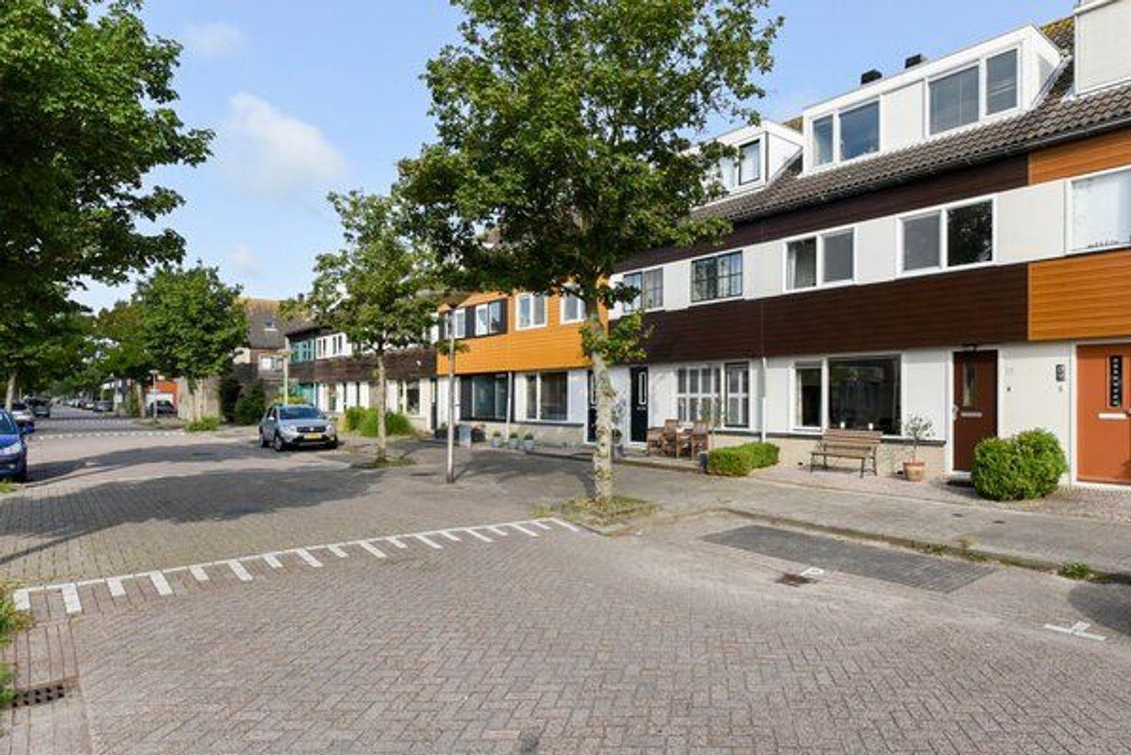 Oe Thantstraat 15, Delft foto-1