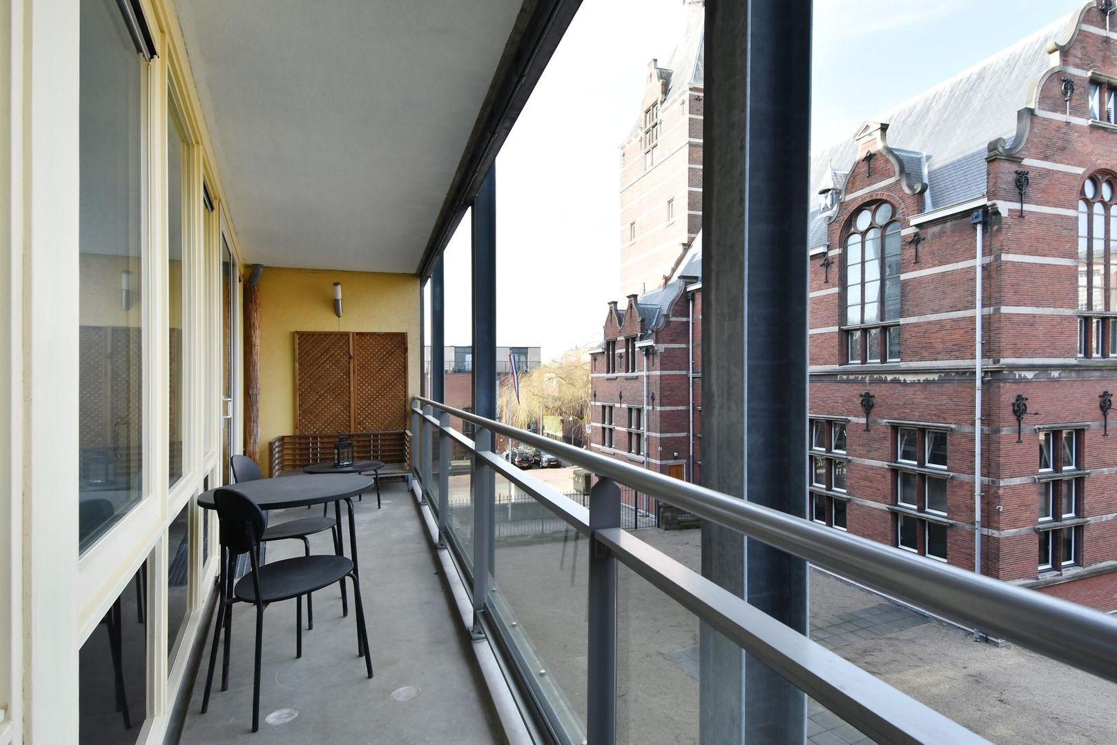Raam 96, Delft foto-9