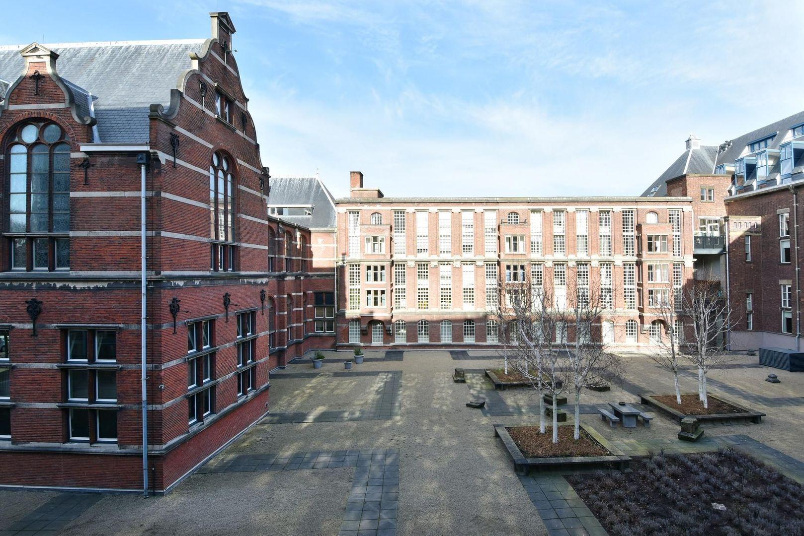 Raam 96, Delft foto-10