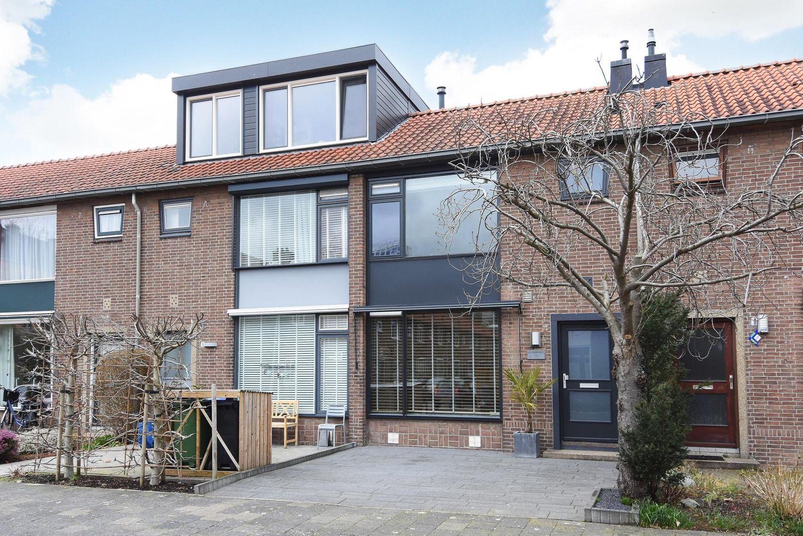 Prof. Oudemansstraat 11, Delft foto-0