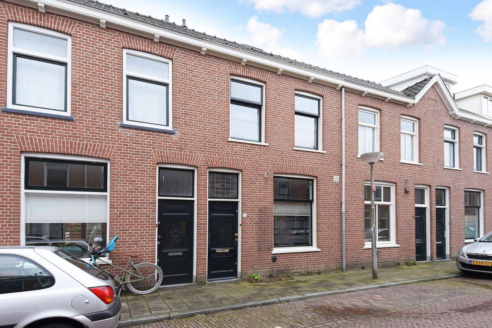 Rembrandtstraat 13, Delft foto-0