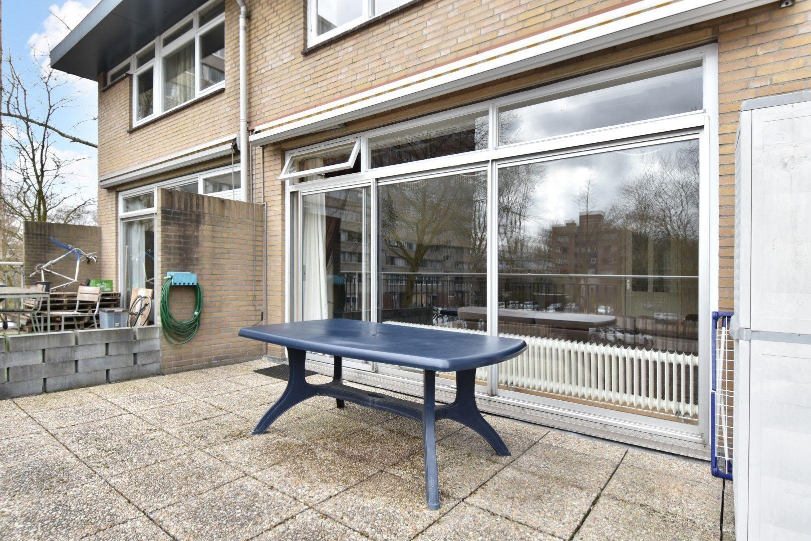 Adama van Scheltemaplein 99, Delft foto-8