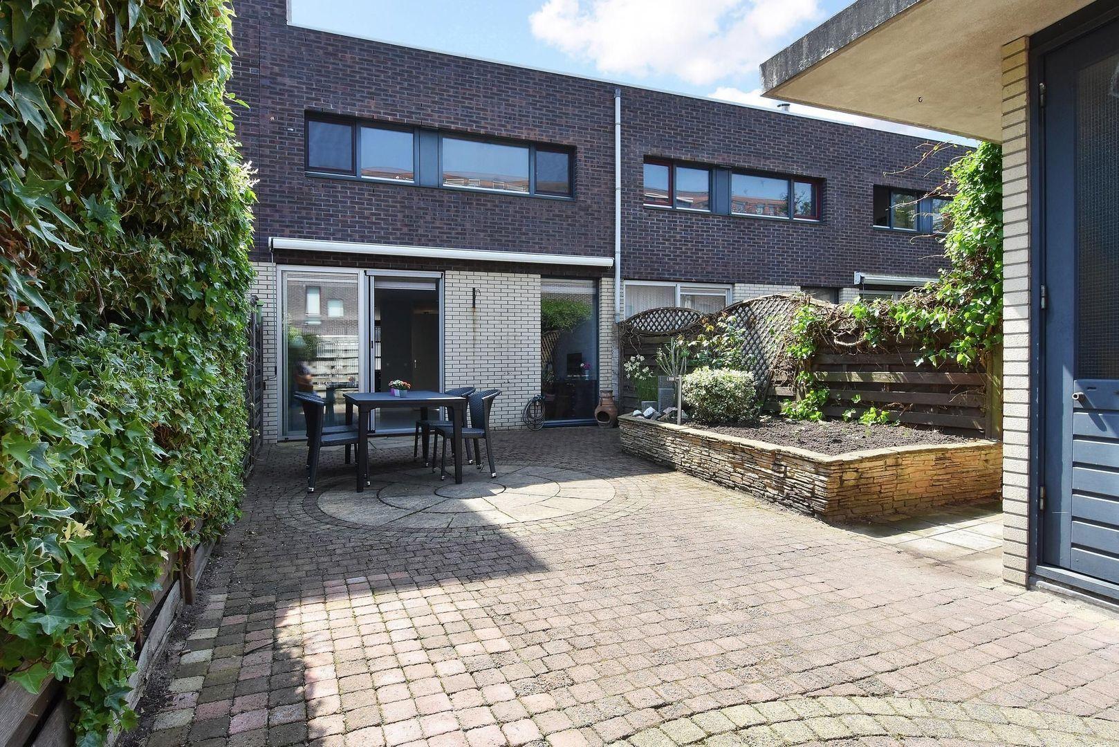 Laan van Van der Gaag 28, Delft foto-14