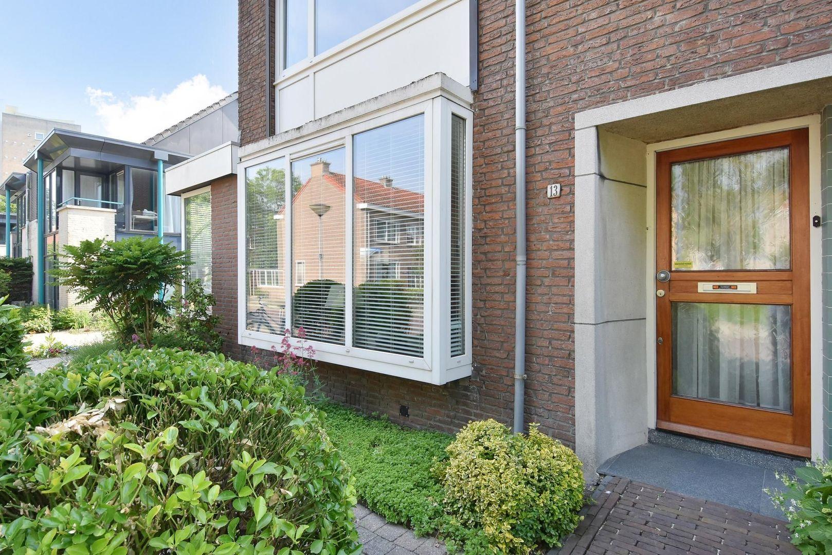 Teding van Berkhoutlaan 13, Delft foto-2