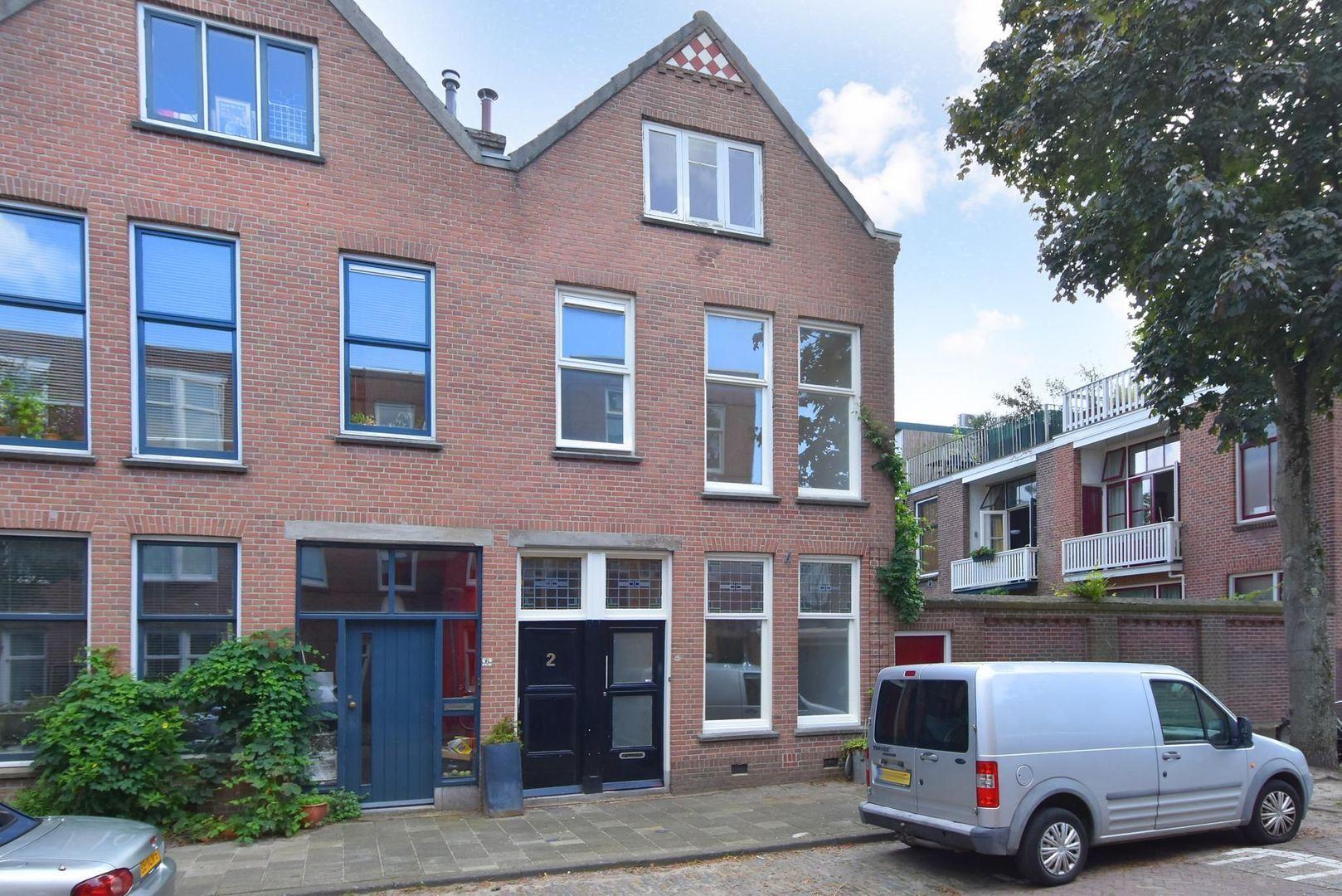 Cornelis Trompstraat 2, Delft foto-0