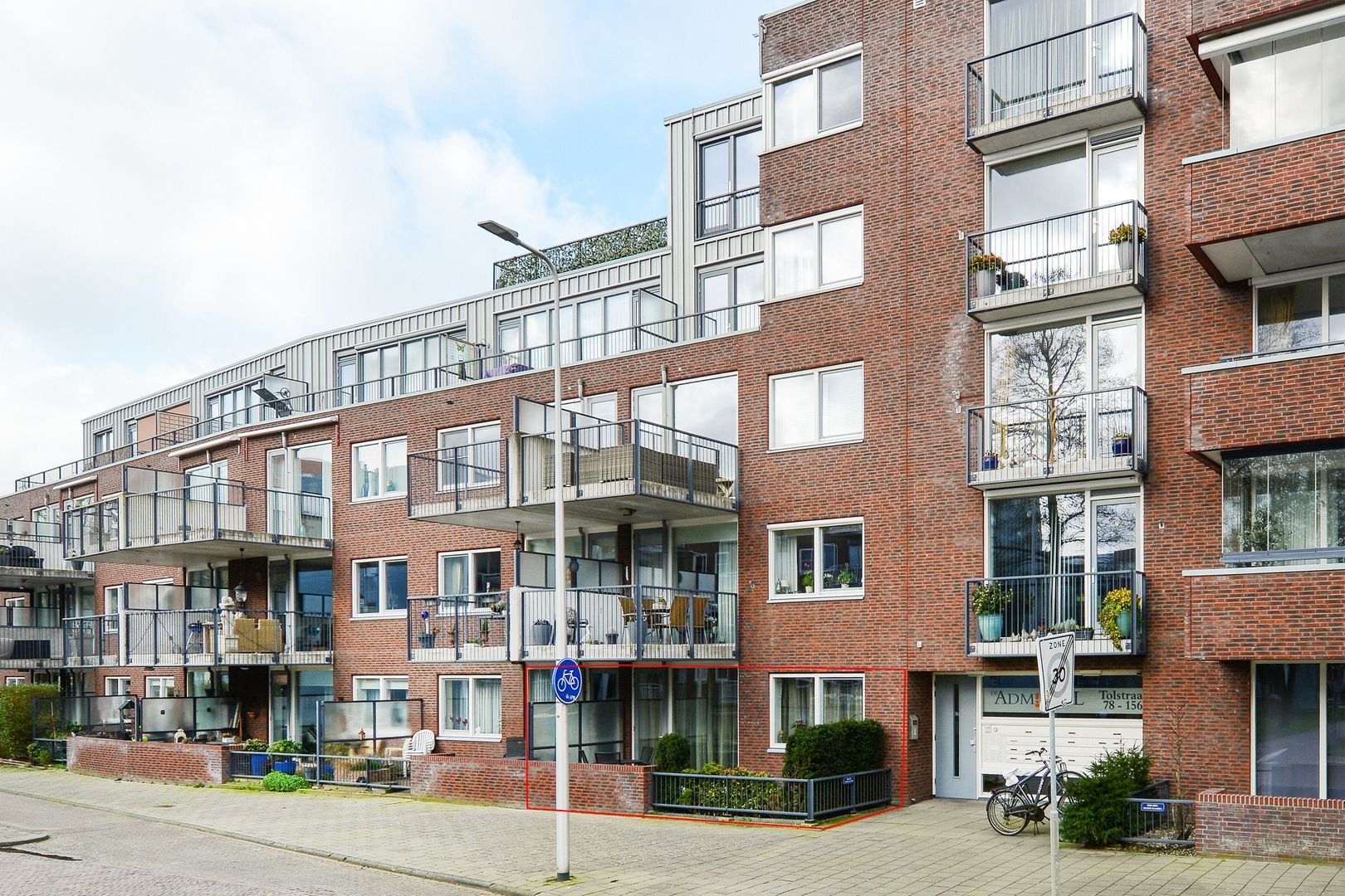 Tolstraat 86, Alphen Aan Den Rijn foto-0 blur