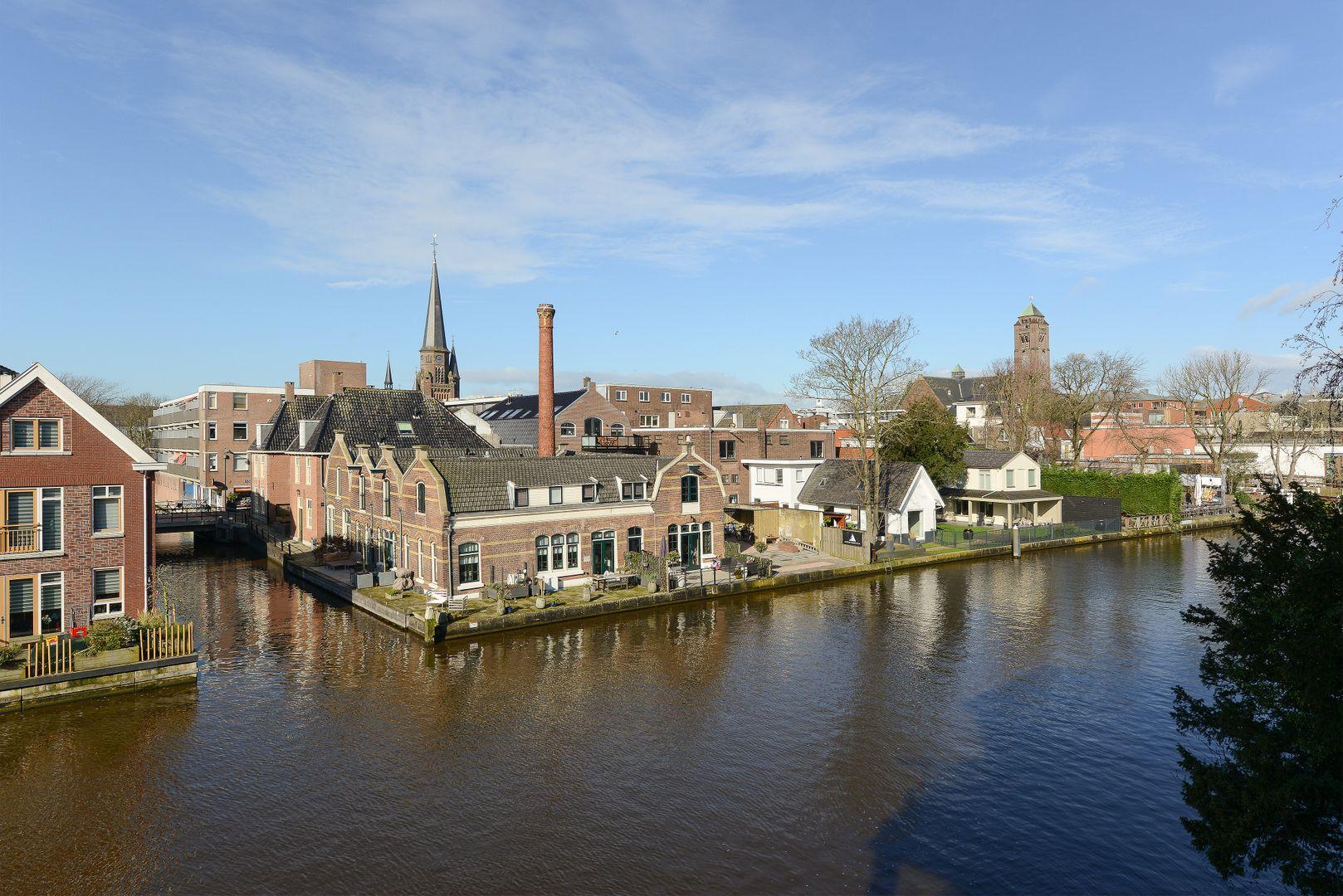 Raadhuisstraat 235, Alphen Aan Den Rijn foto-1 blur