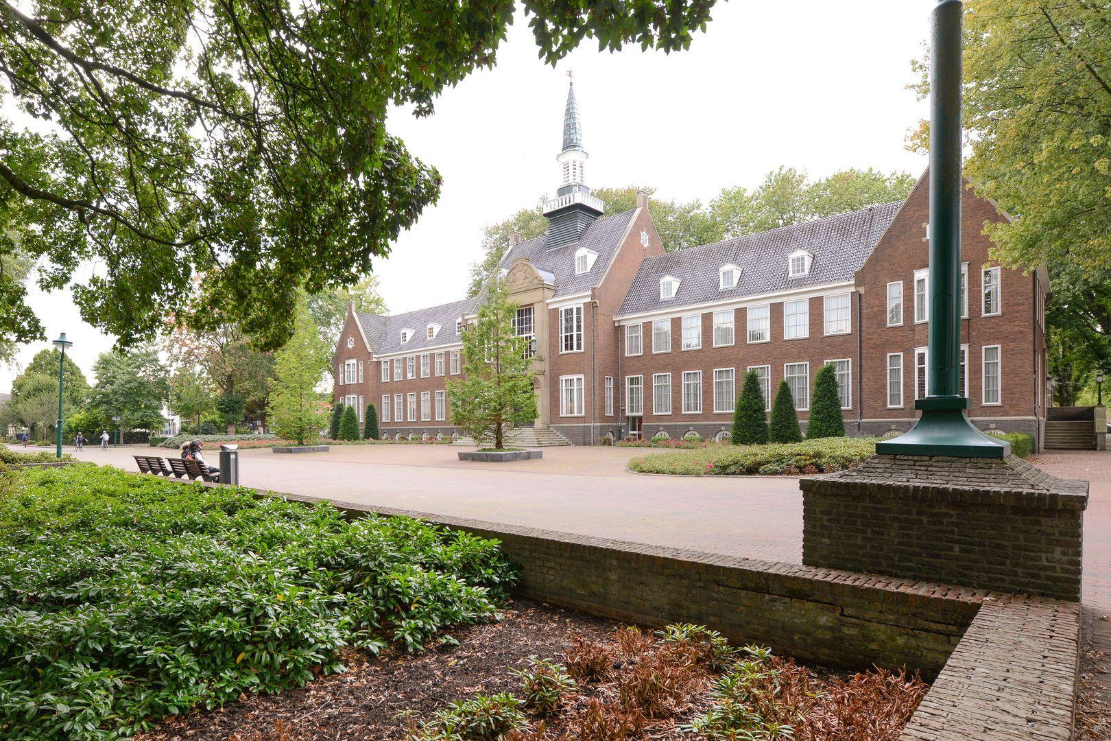 Ambonstraat 2, Alphen Aan Den Rijn foto-1 blur