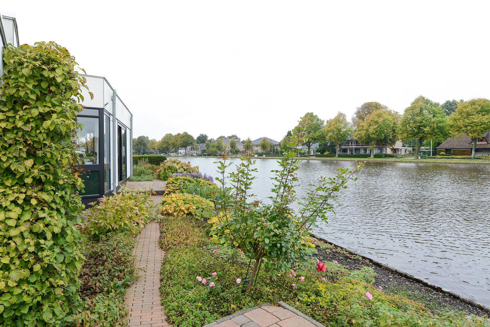 Hoorn 80, Alphen Aan Den Rijn foto-1 blur