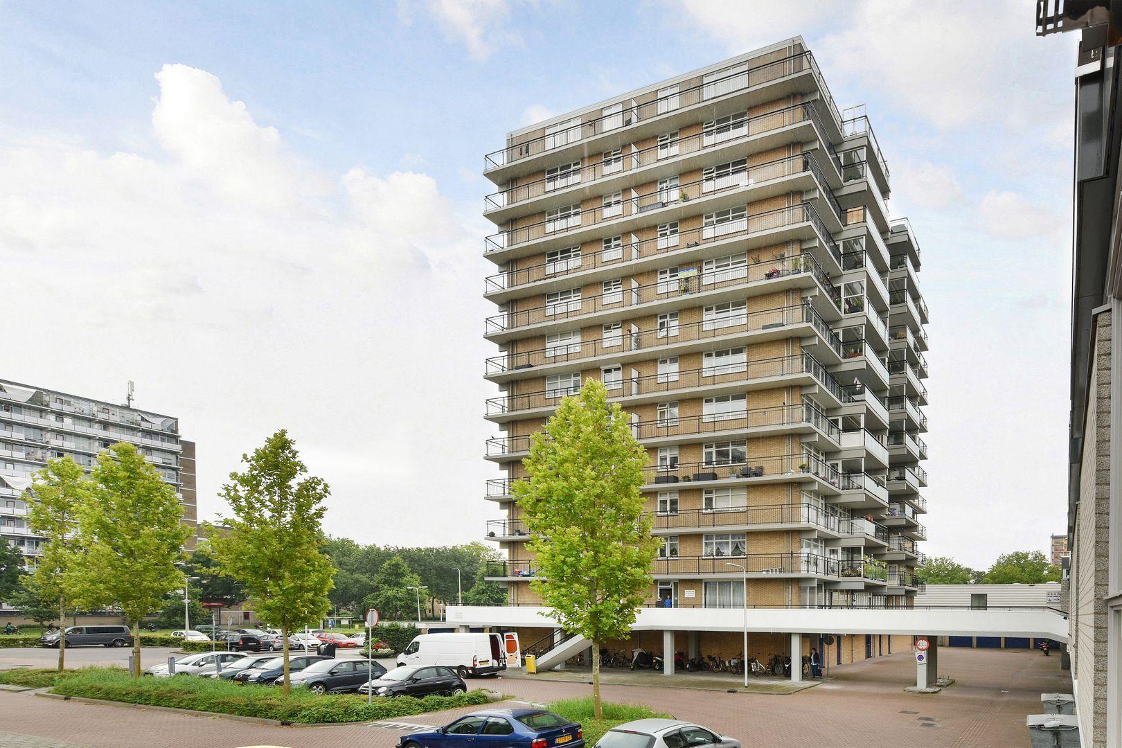 Aidaplein 102, Alphen Aan Den Rijn foto-0 blur
