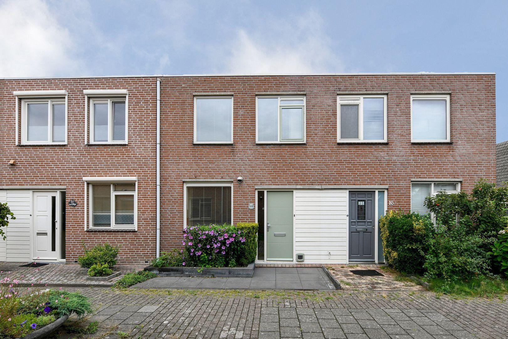 Wulverhorst 18, Alphen Aan Den Rijn foto-0 blur