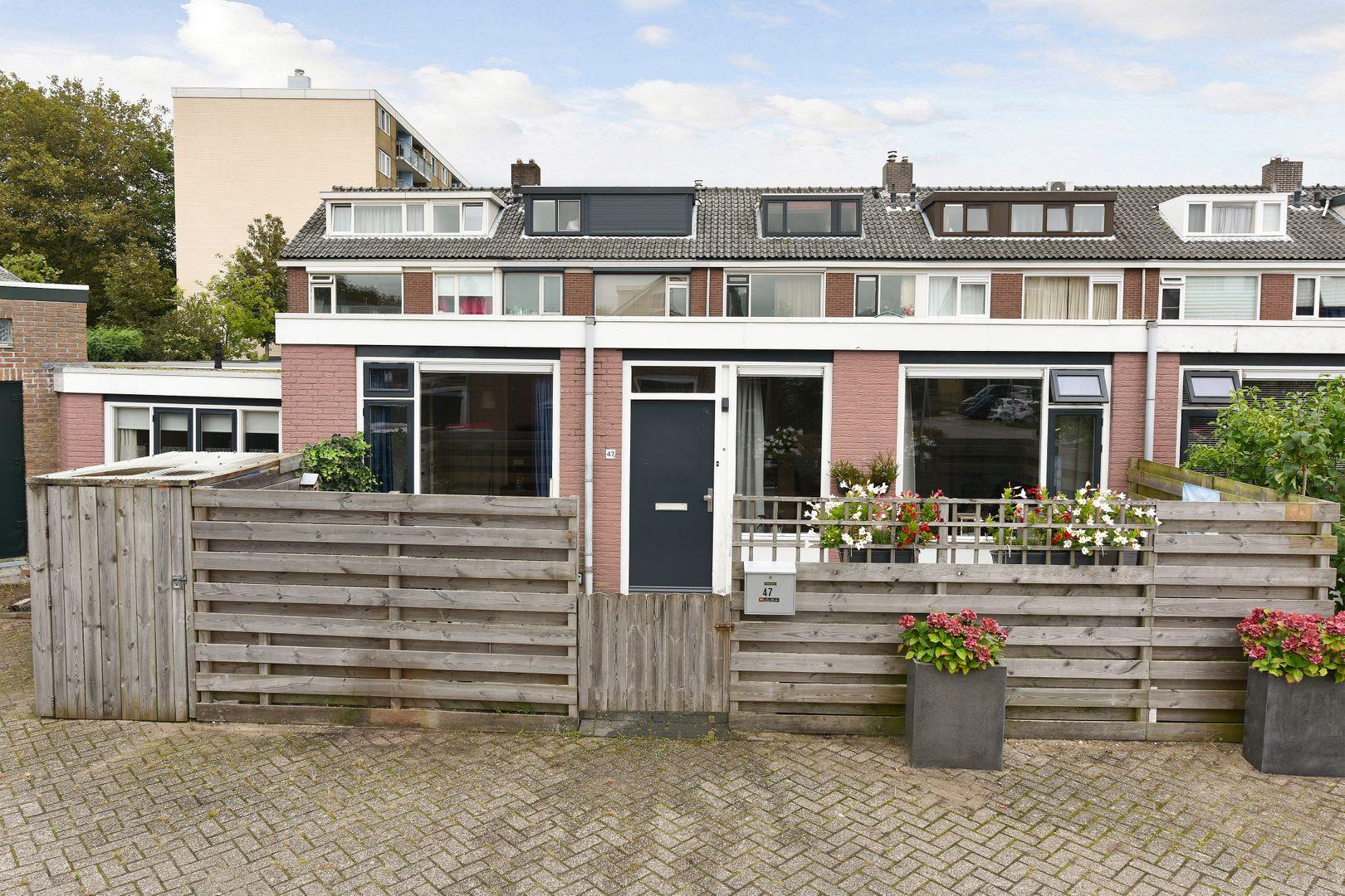 Vestastraat 47, Alphen Aan Den Rijn foto-0 blur